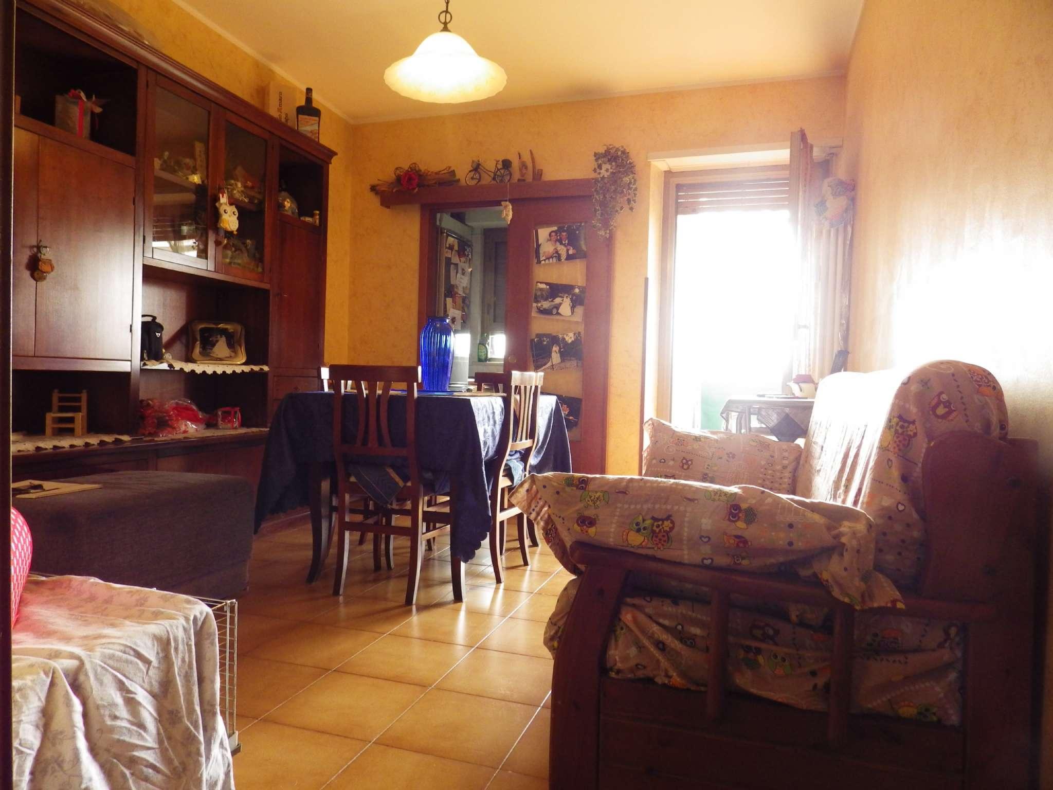 Appartamento in buone condizioni in vendita Rif. 7325361