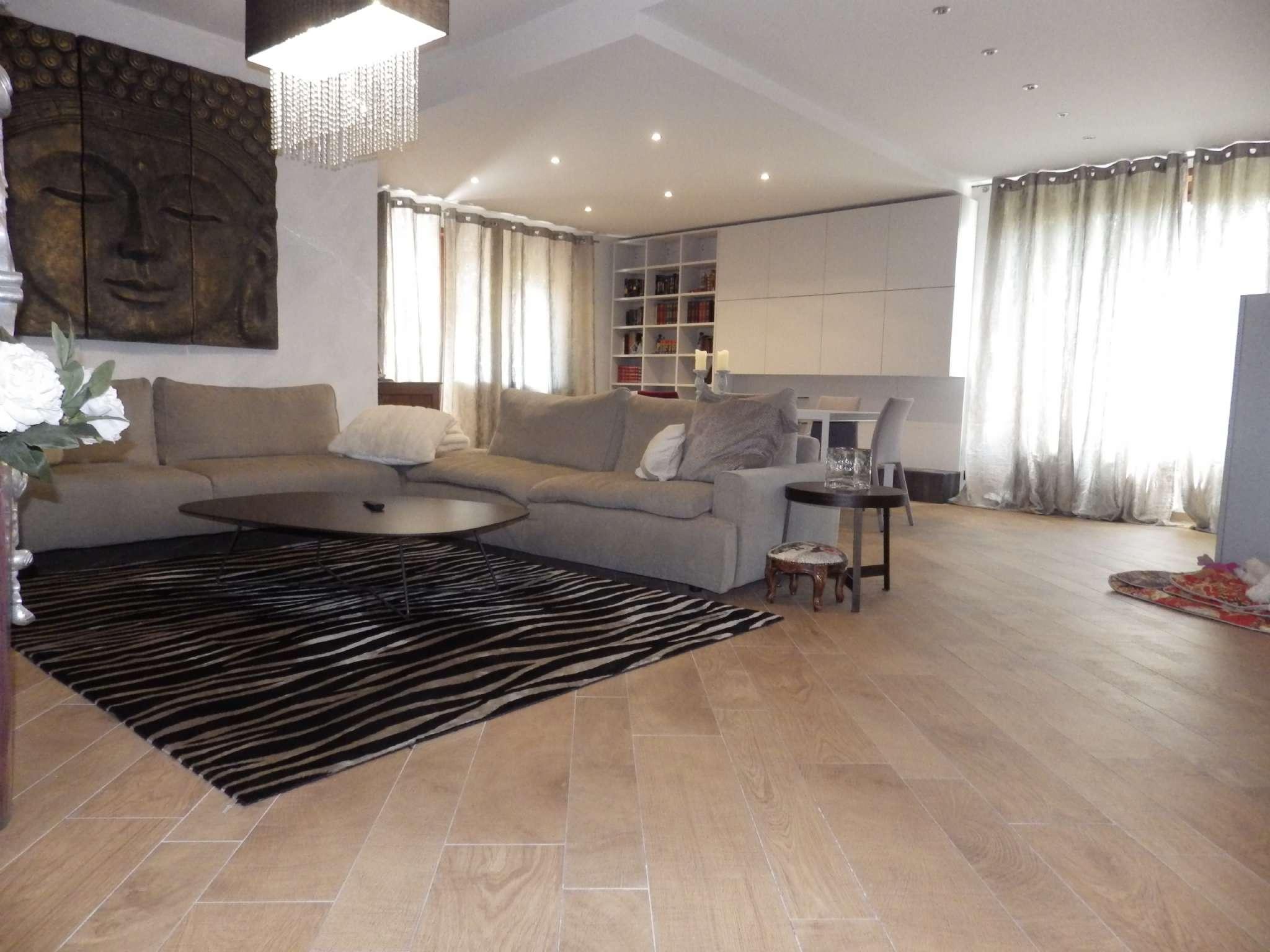 Appartamento in ottime condizioni in vendita Rif. 7849039