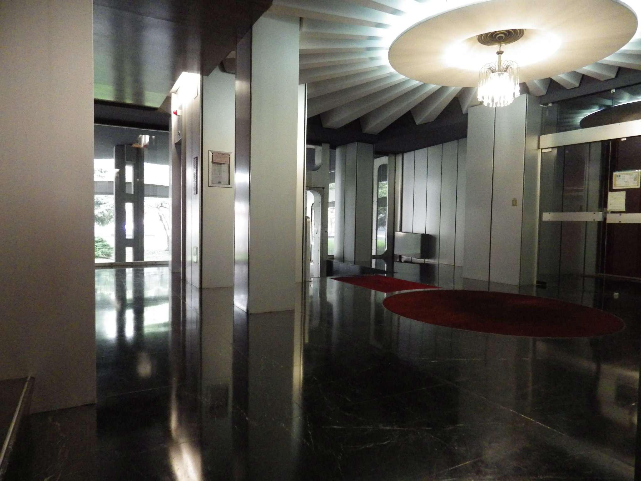 Appartamento in buone condizioni in affitto Rif. 8912282