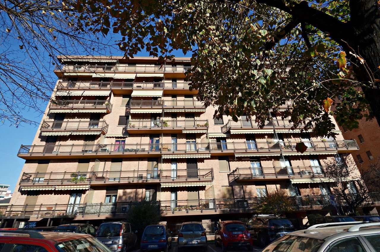 Appartamento in buone condizioni in vendita Rif. 8412840