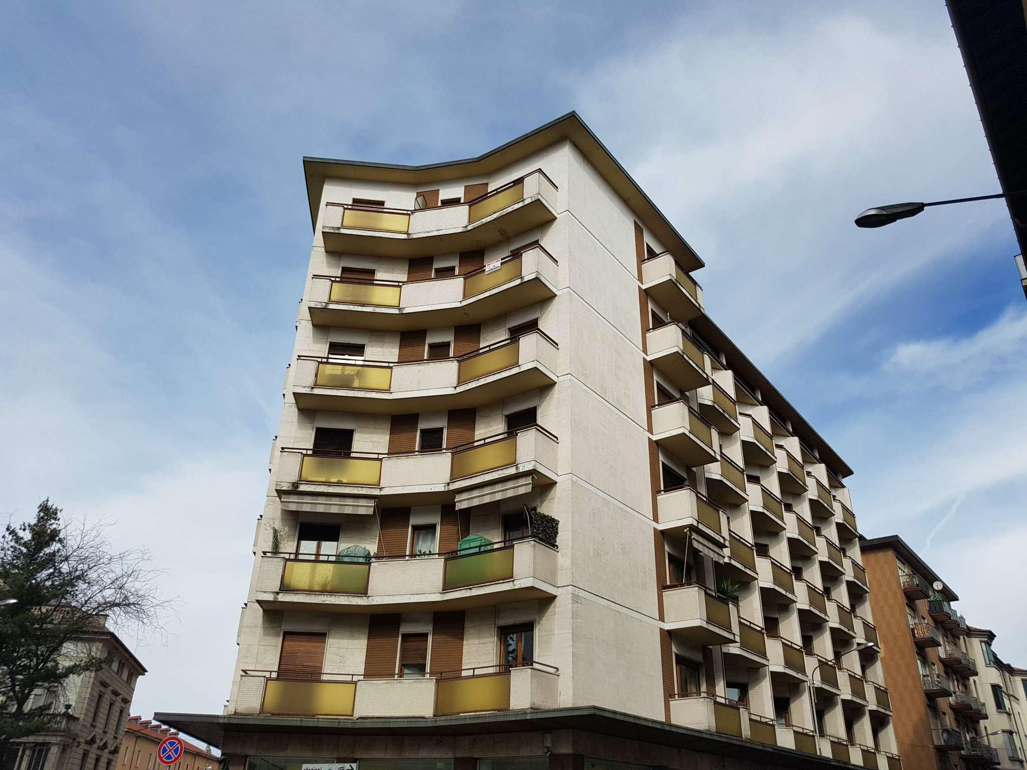 Ufficio / Studio in affitto a Varese, 5 locali, prezzo € 650 | CambioCasa.it