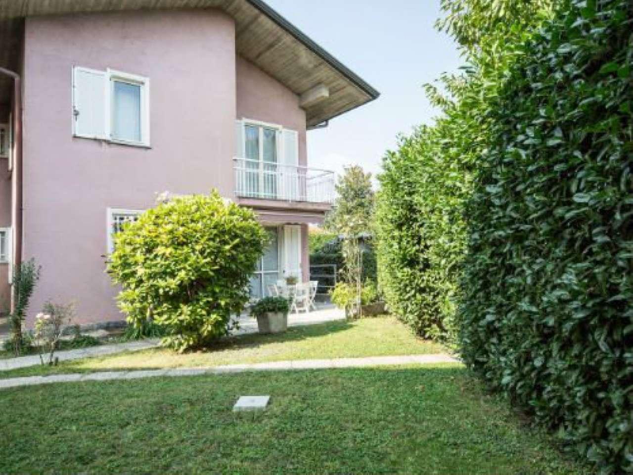 Villetta a schiera in buone condizioni in vendita Rif. 8141264