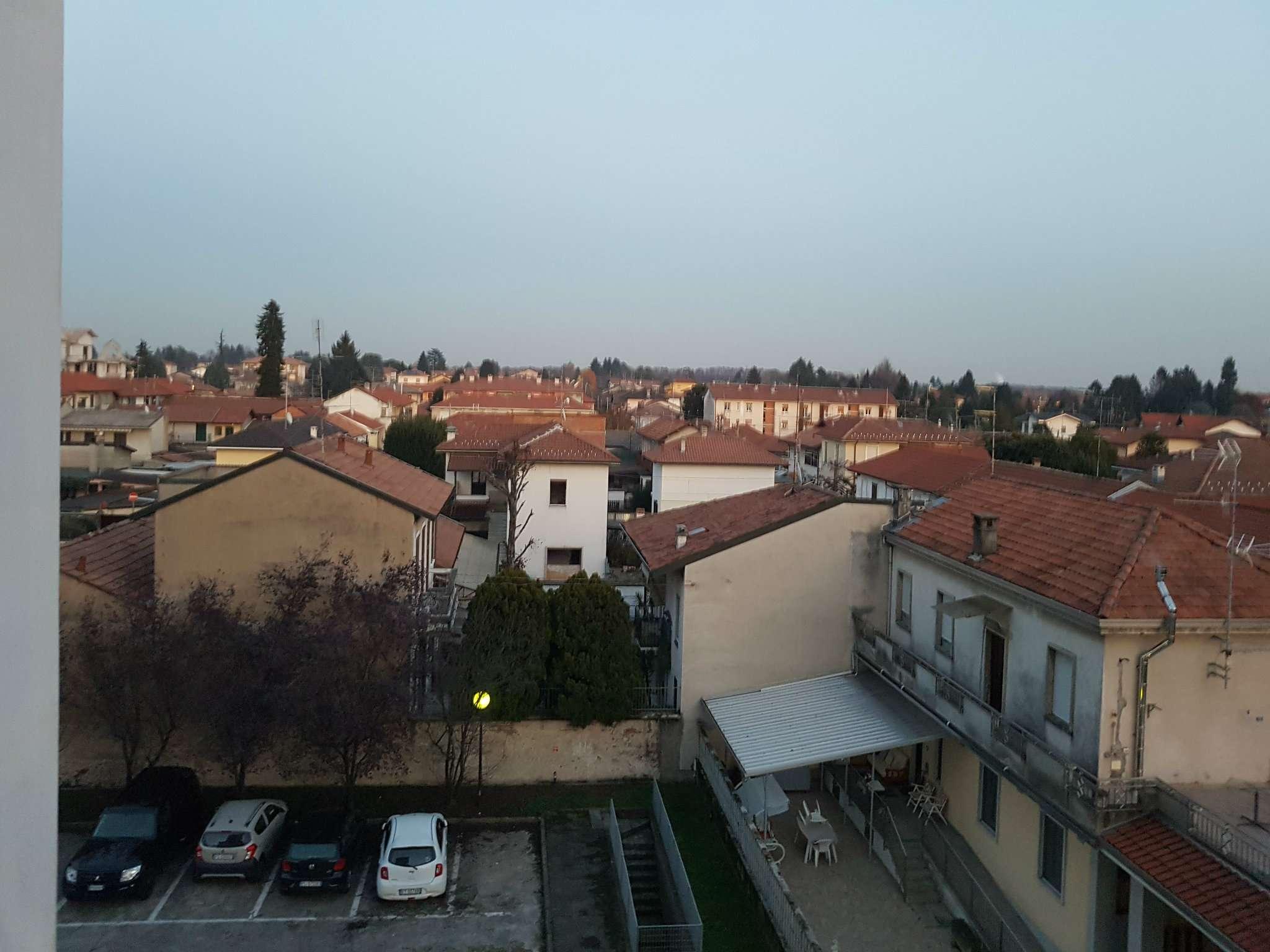Appartamento in vendita a Gorla Minore, 3 locali, prezzo € 169.000 | CambioCasa.it