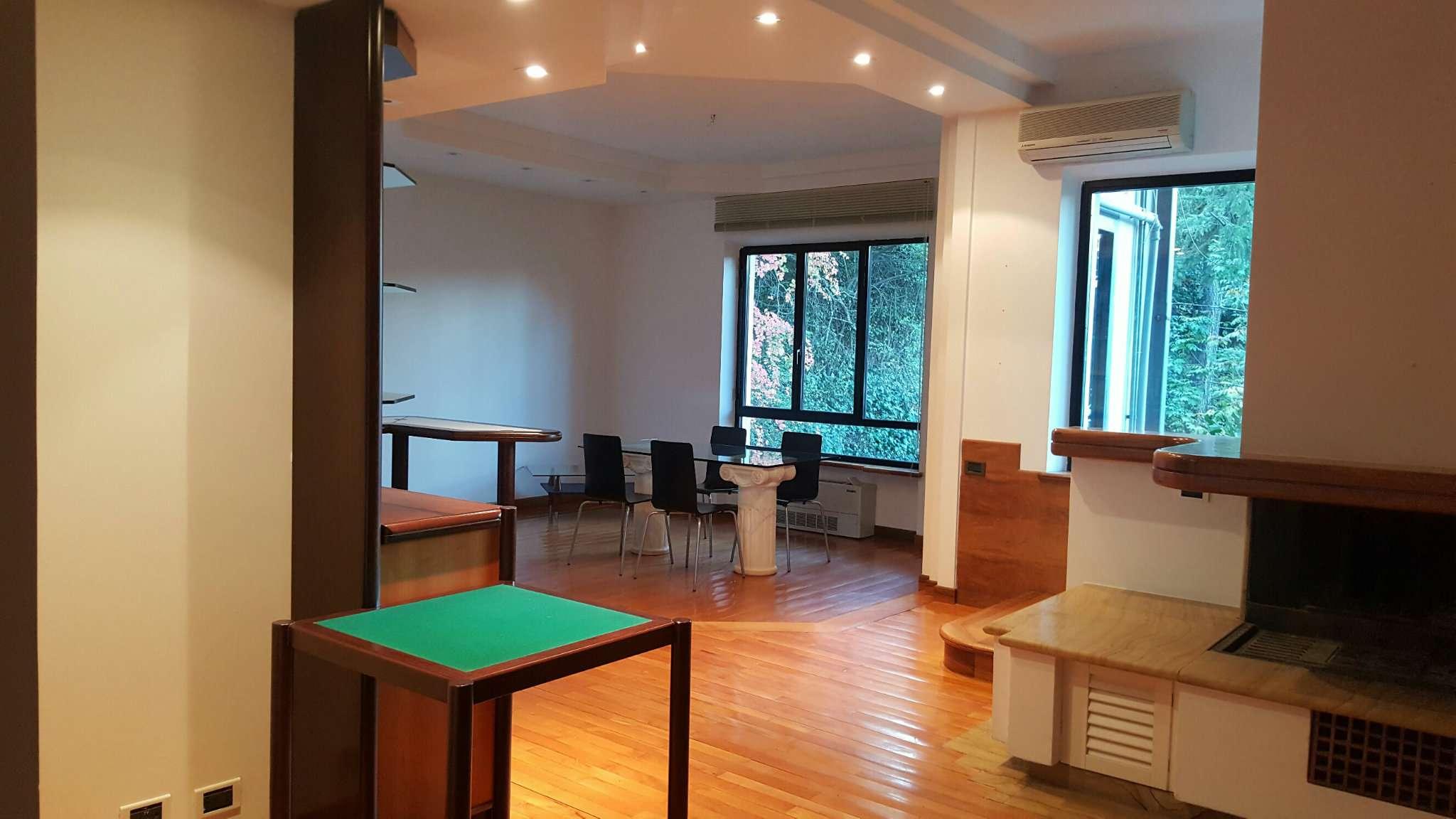 Appartamento in ottime condizioni parzialmente arredato in vendita Rif. 8938484