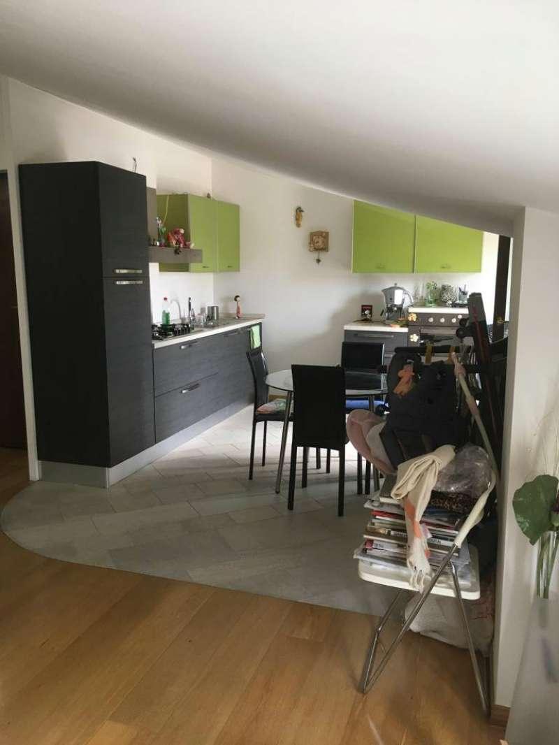 Appartamento in ottime condizioni parzialmente arredato in vendita Rif. 8938486