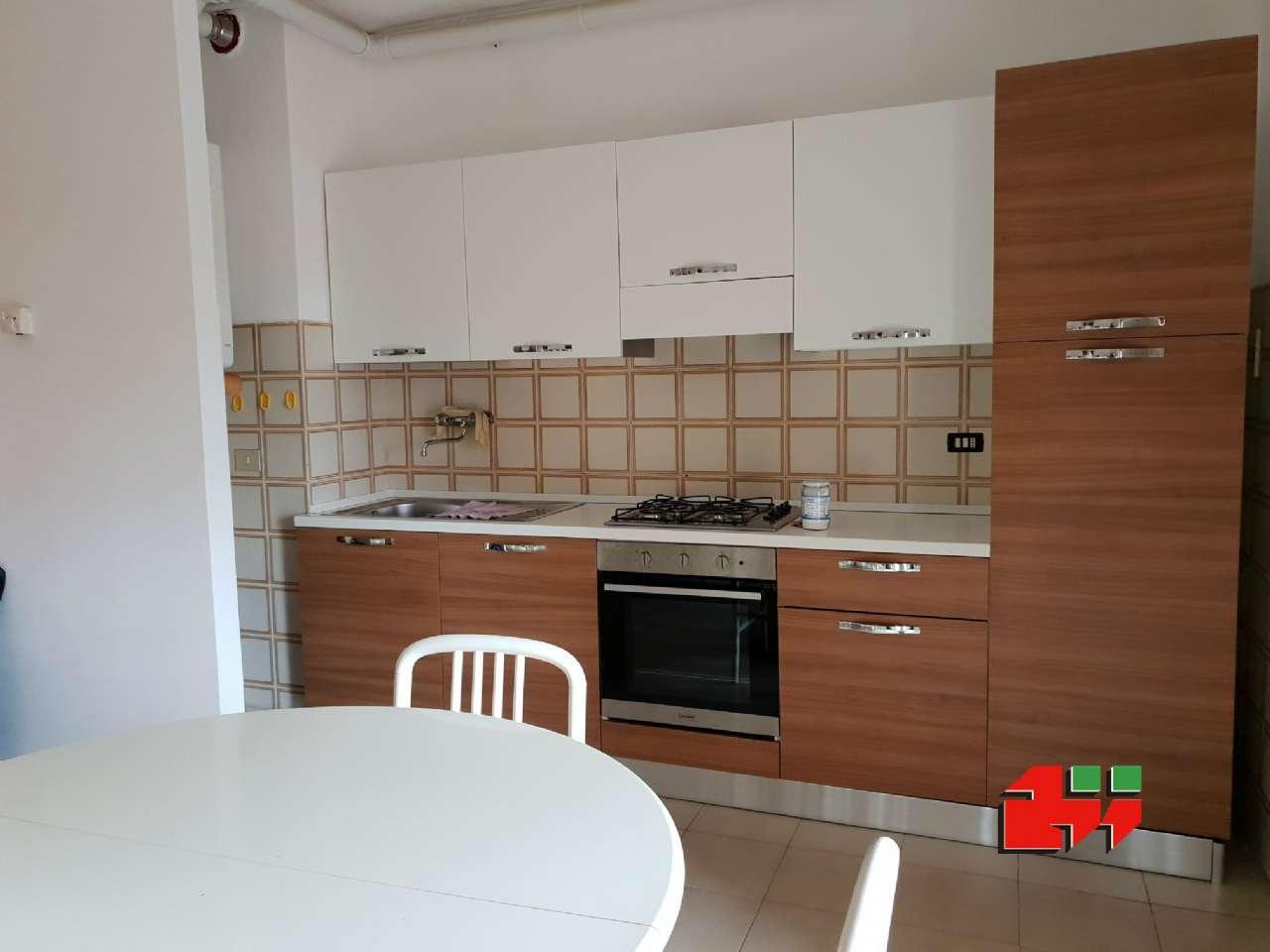 Appartamento in buone condizioni parzialmente arredato in vendita Rif. 8938491