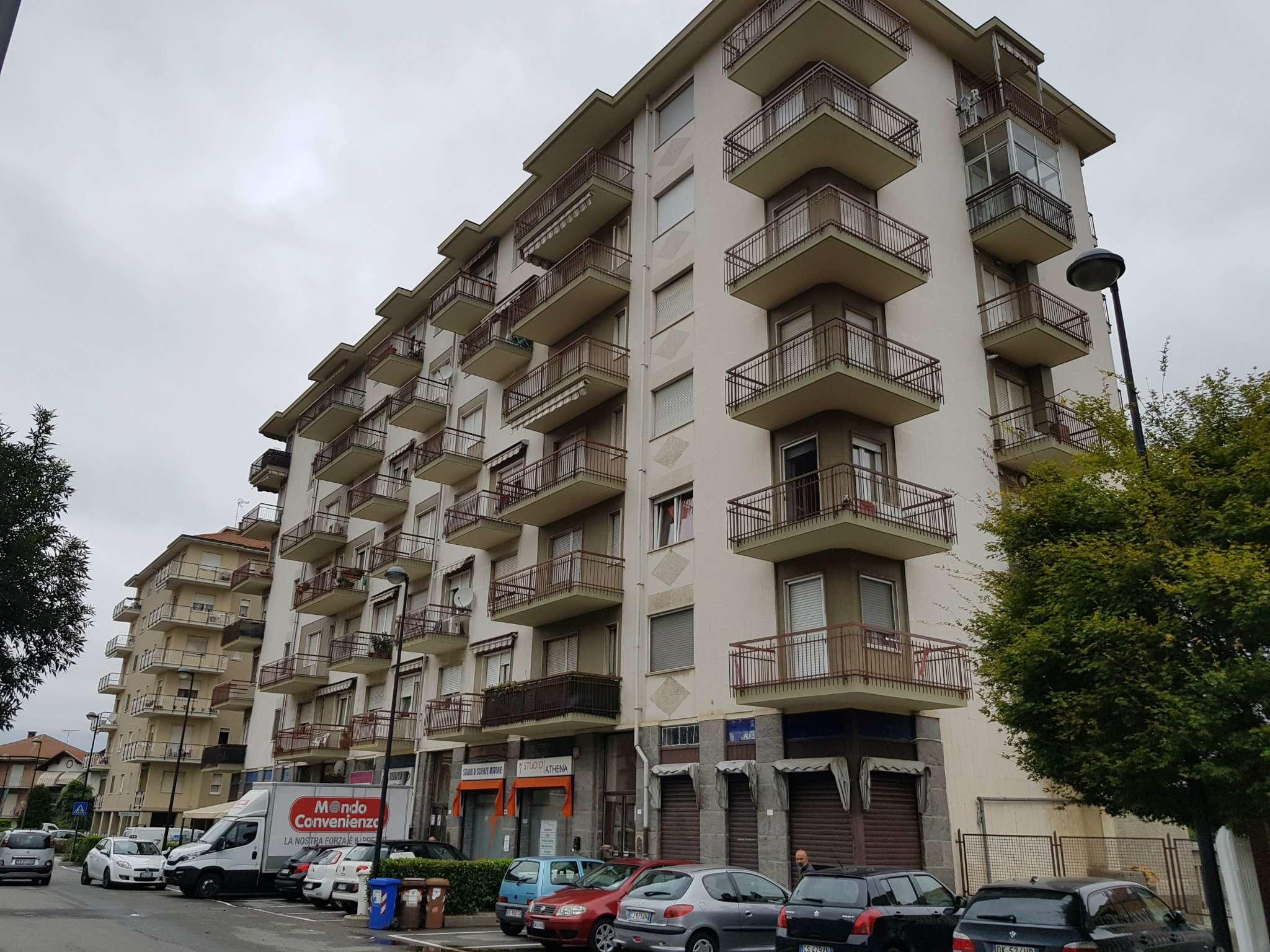 Appartamento in ottime condizioni in vendita Rif. 7770849