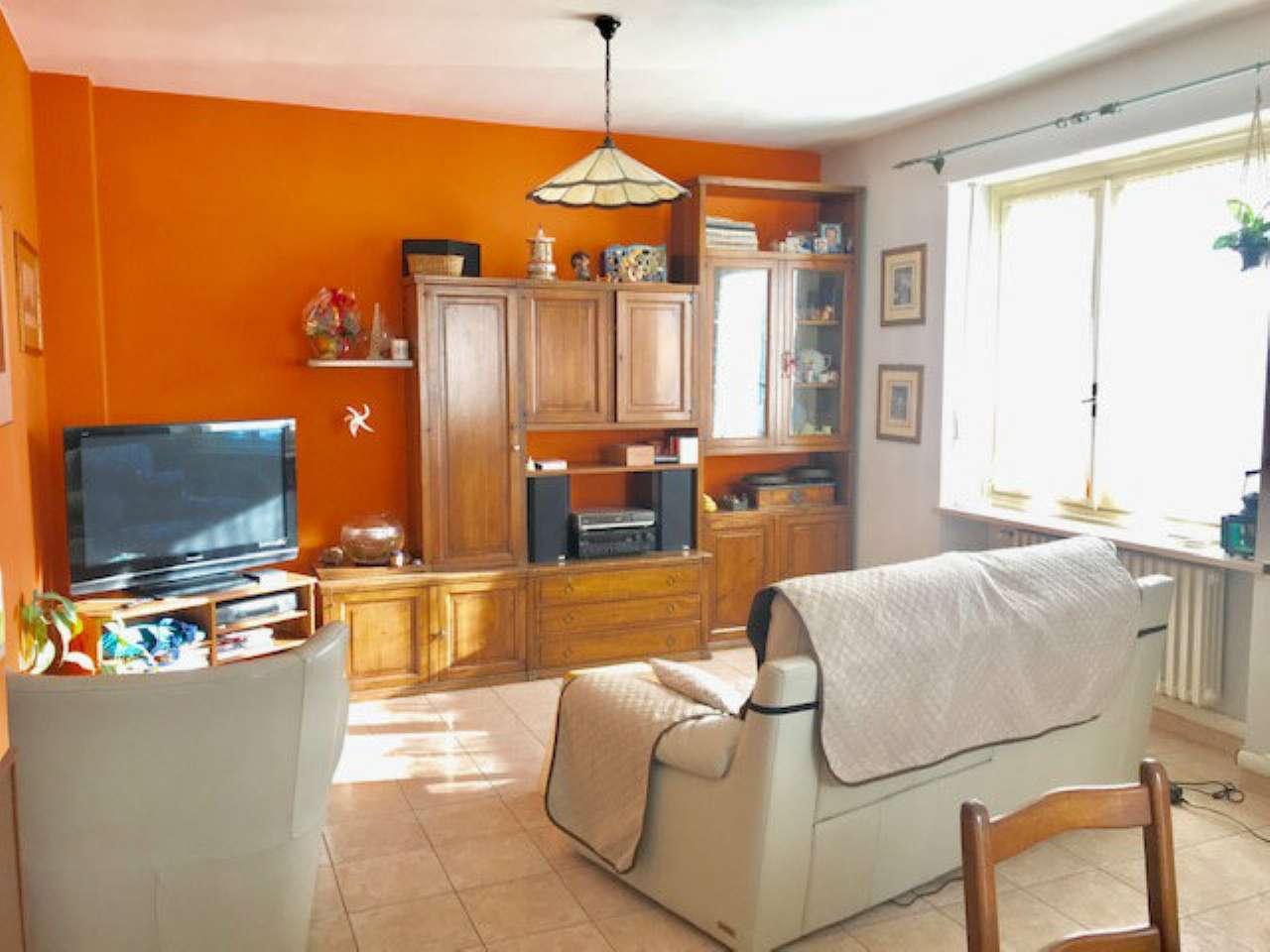 Appartamento in vendita a Cambiano, 5 locali, prezzo € 149.000 | CambioCasa.it