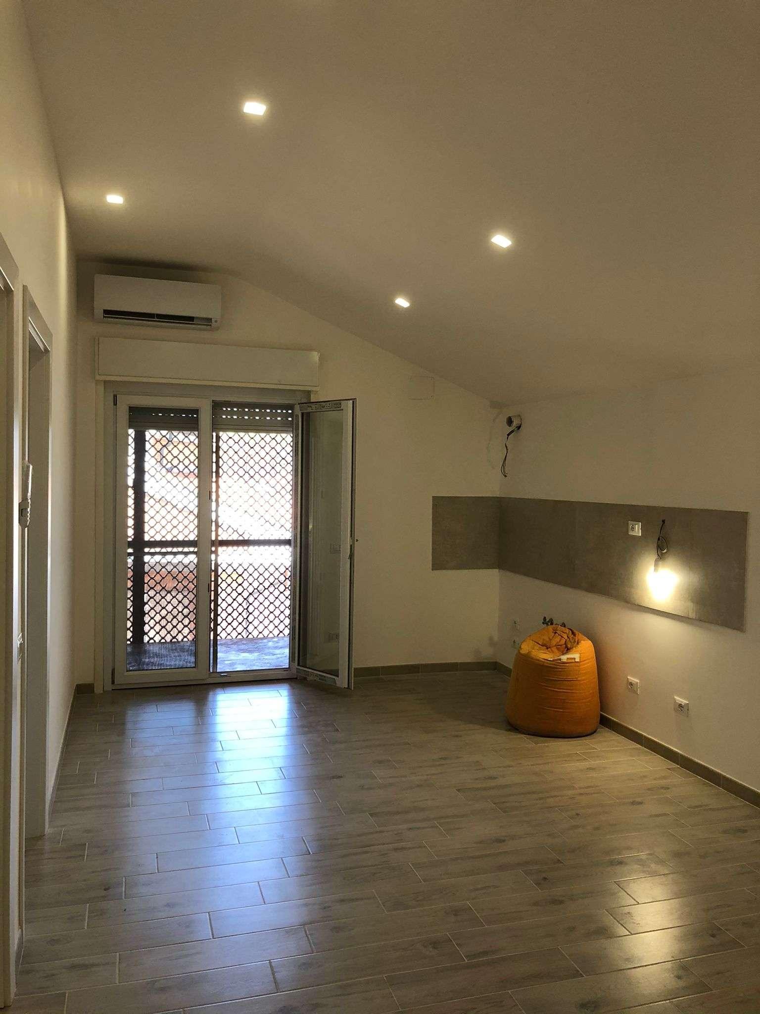 Appartamento in vendita a Roma, 3 locali, zona Zona: 13 . Tuscolano, Appio Claudio, Villa Lais, Quadraro, prezzo € 189.000   CambioCasa.it