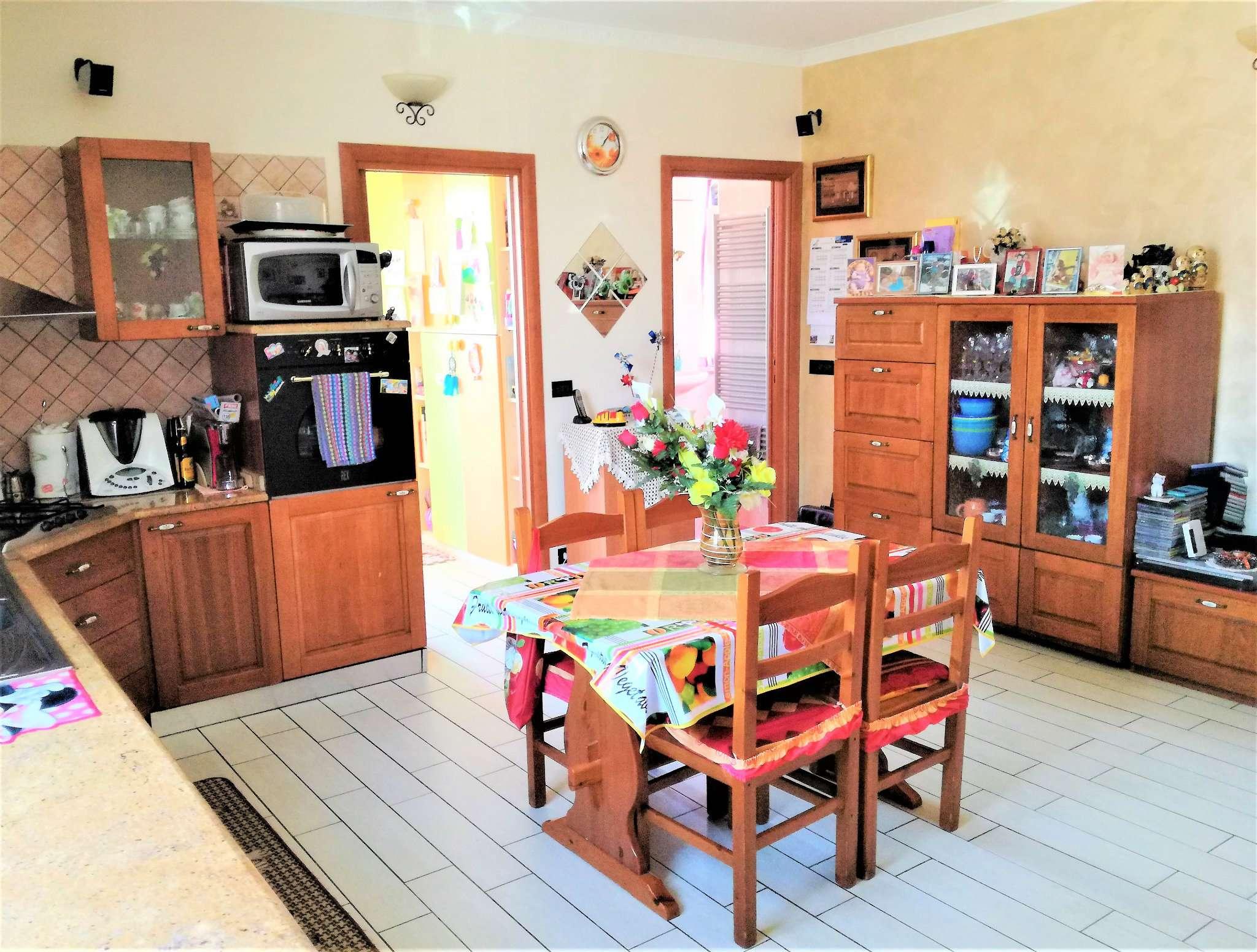 Appartamento in vendita a Caselle Torinese, 3 locali, prezzo € 115.000 | CambioCasa.it