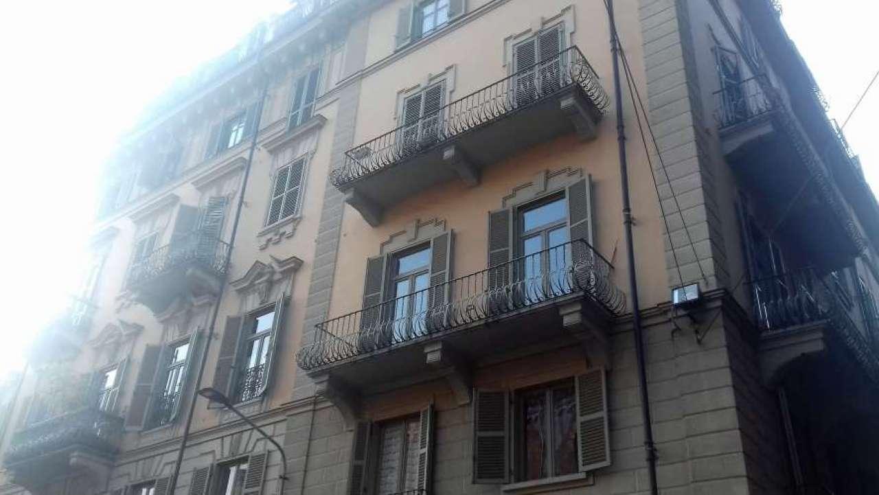 Negozio in vendita Zona Valdocco, Aurora - corso GIULIO CESARE Torino