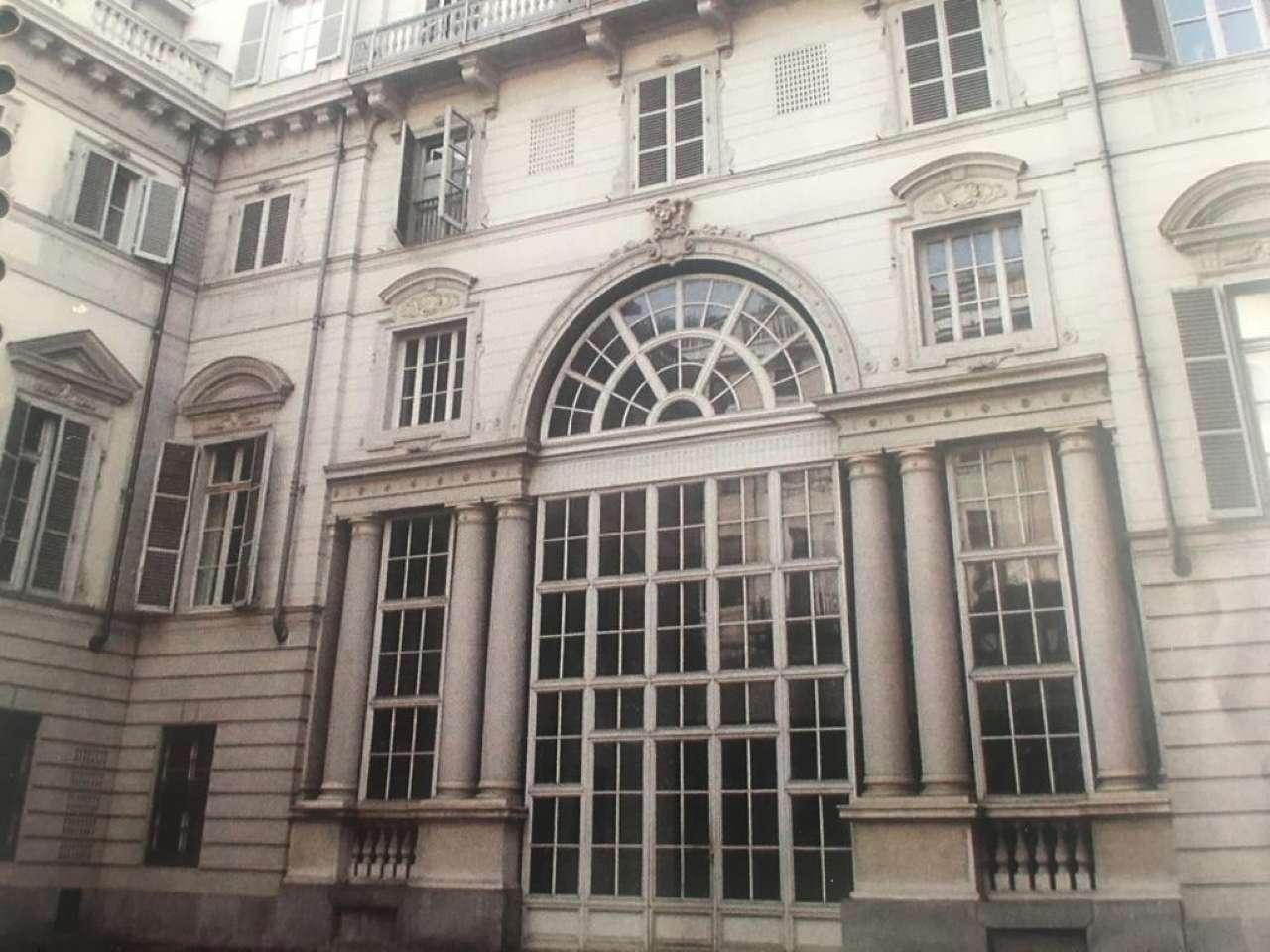 Appartamento in vendita Zona Centro - via Lagrange 7 Torino
