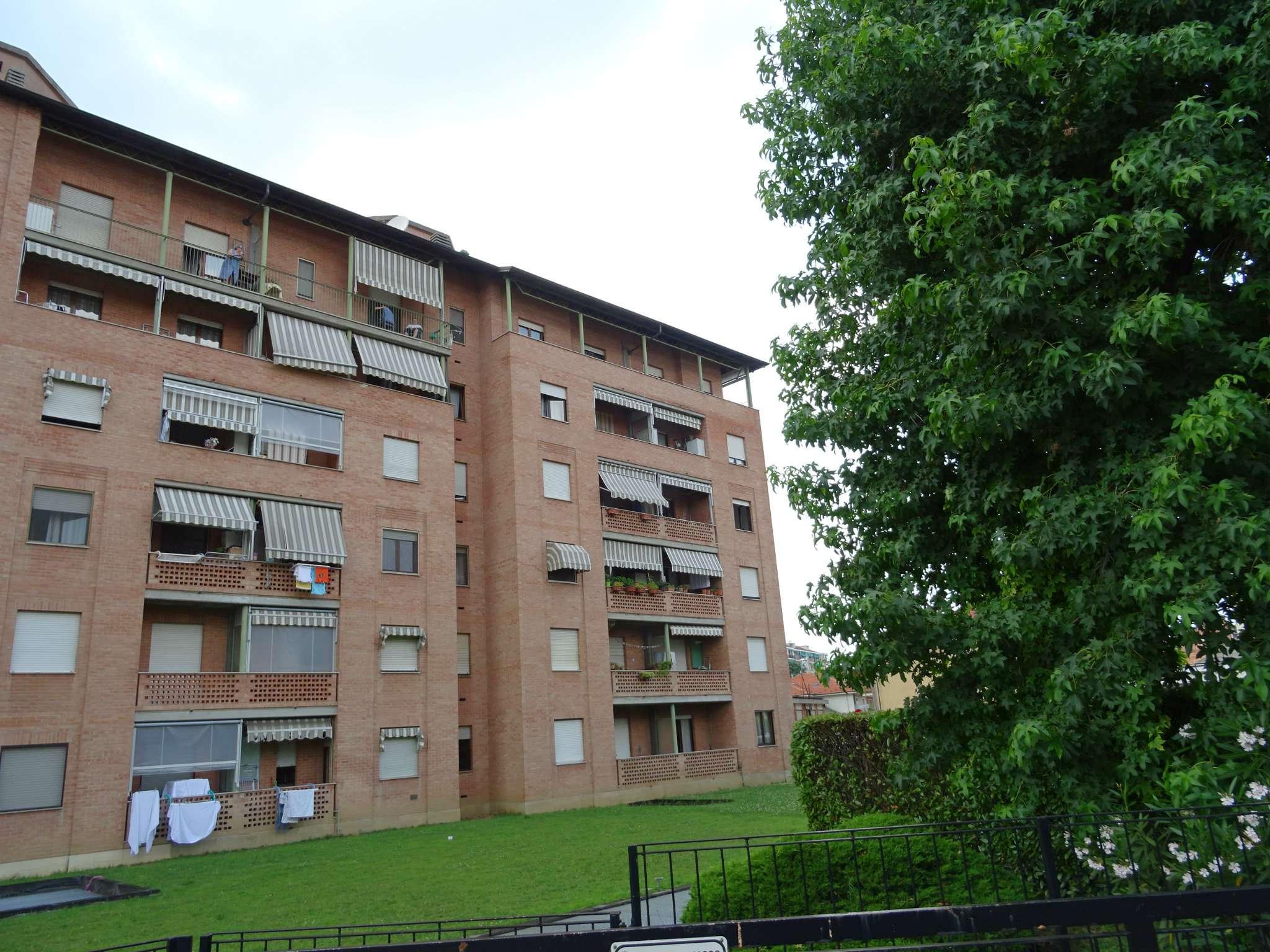 Appartamento in buone condizioni in vendita Rif. 7189156