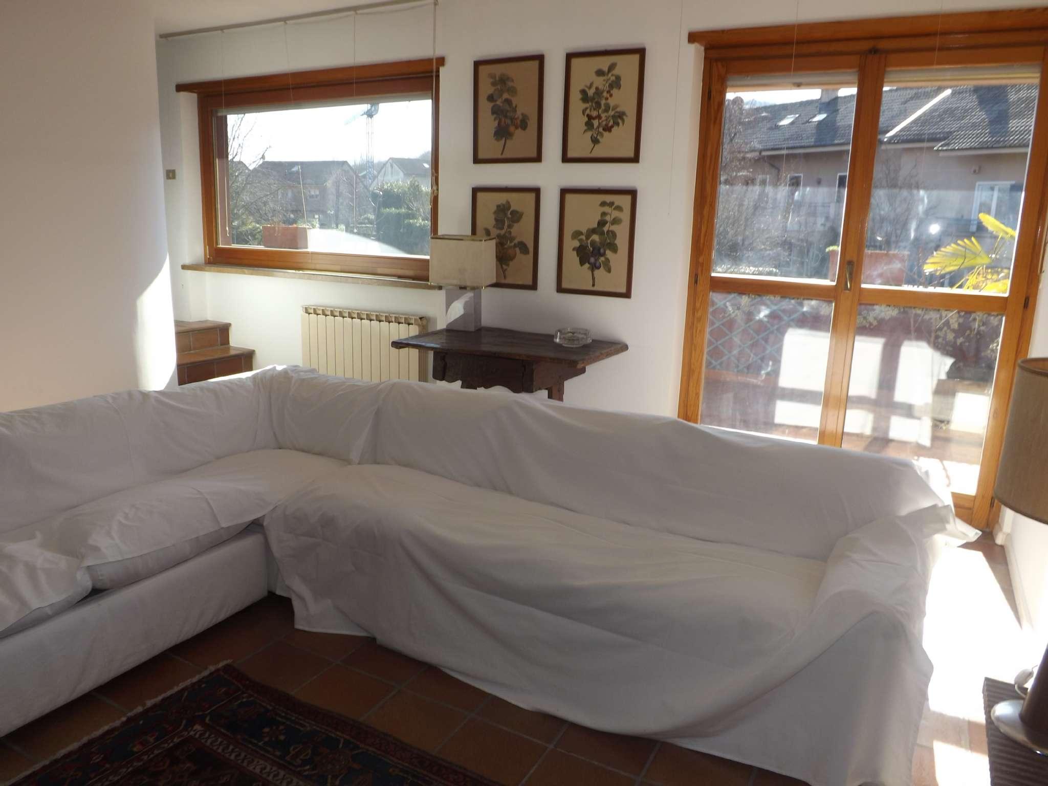 Appartamento in ottime condizioni arredato in affitto Rif. 5594540