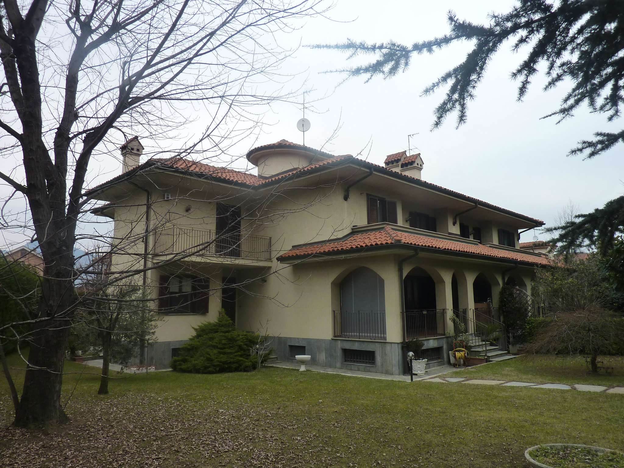 Villa in vendita corso  De Gasperi  53 Rivoli
