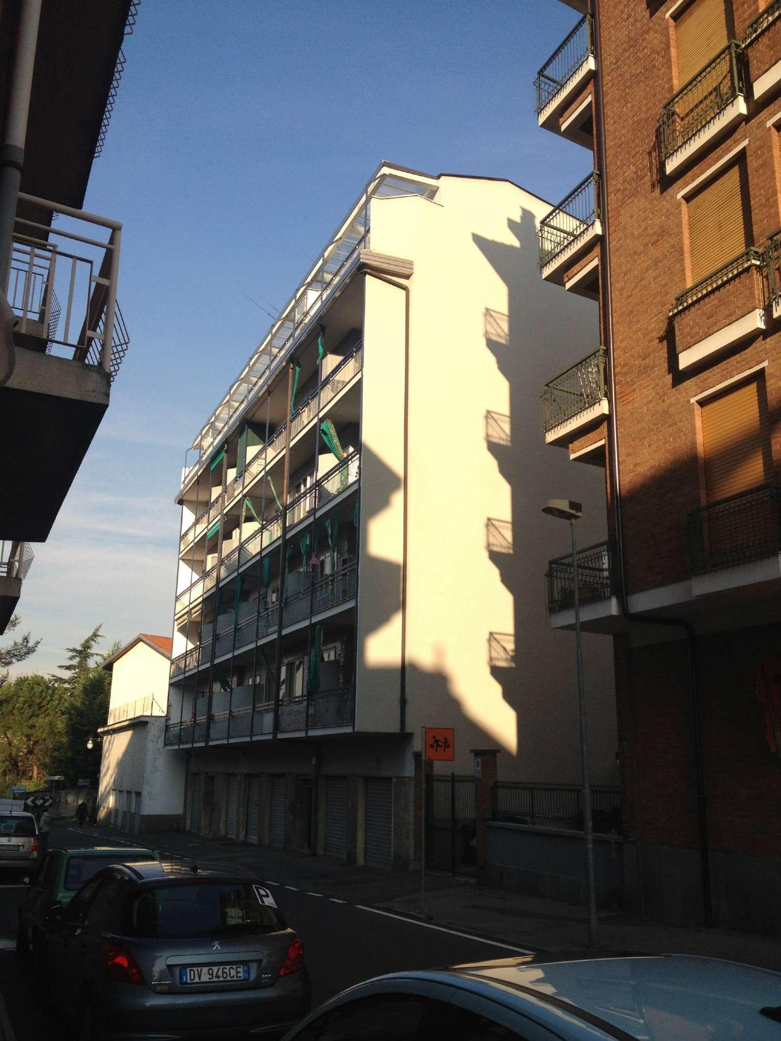 Appartamento in buone condizioni in affitto Rif. 8887359