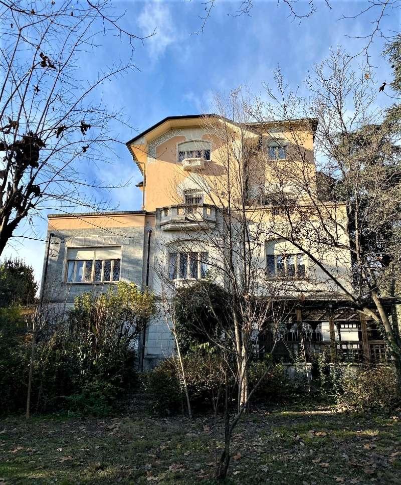 RIVOLI - Villa d'epoca con parco, foto 2