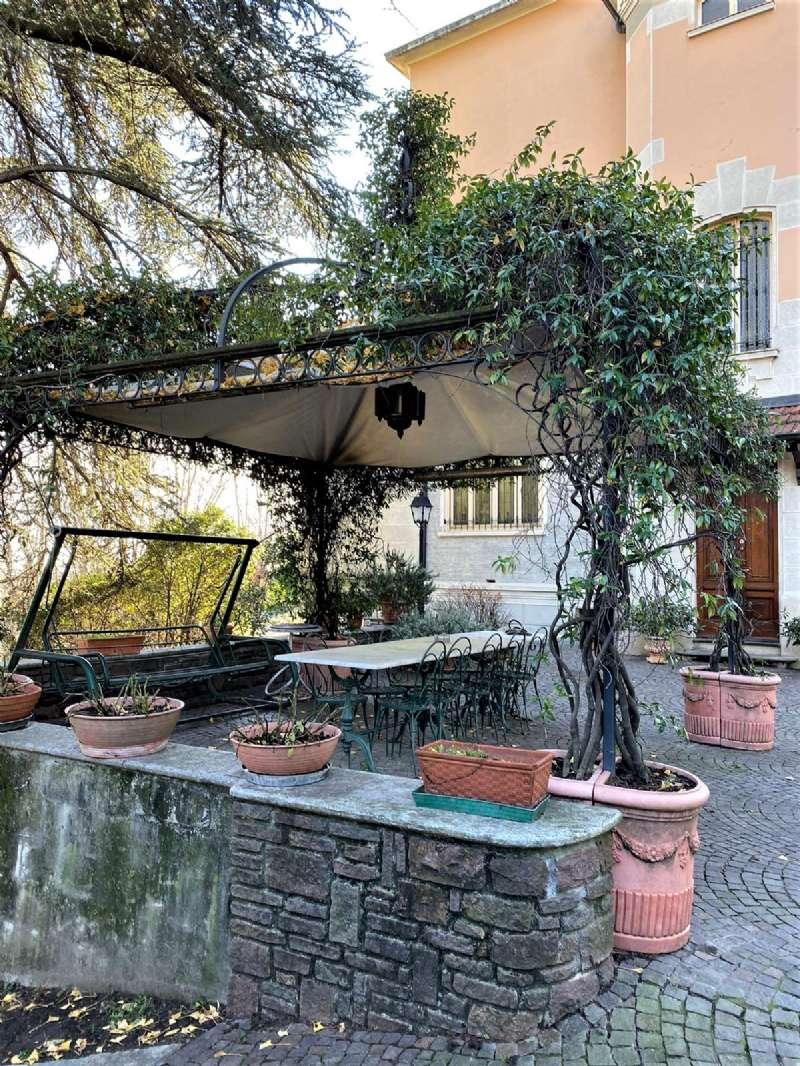 RIVOLI - Villa d'epoca con parco, foto 3