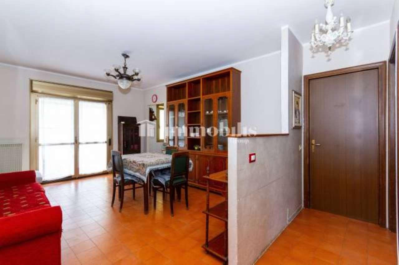 Appartamento in vendita a Collegno, 3 locali, prezzo € 103.000   CambioCasa.it
