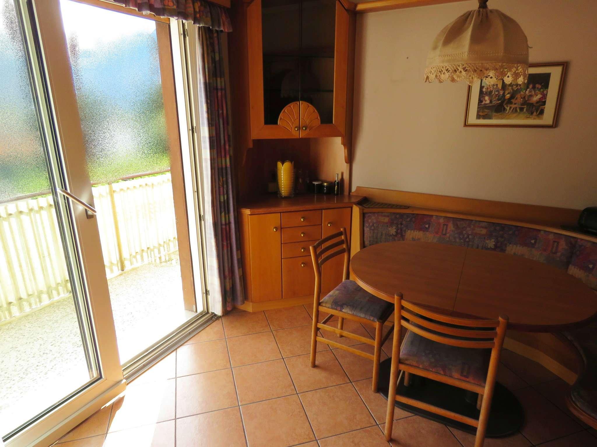 Appartamento in condizioni mediocri parzialmente arredato in vendita Rif. 5088182