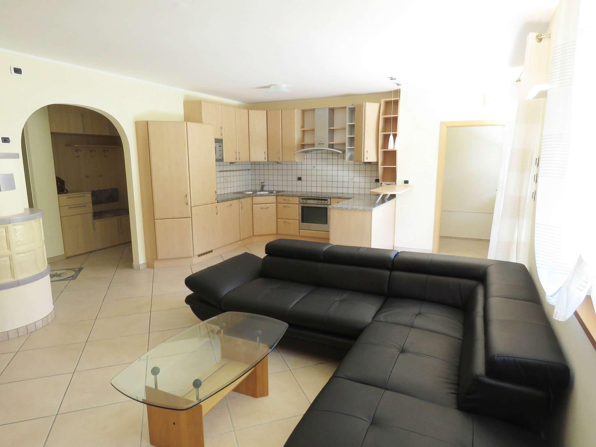Appartamento in ottime condizioni in vendita Rif. 5088406
