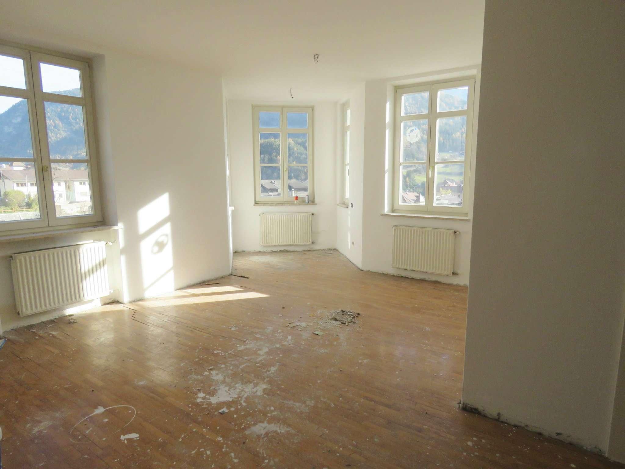 Appartamento da ristrutturare in vendita Rif. 8678931