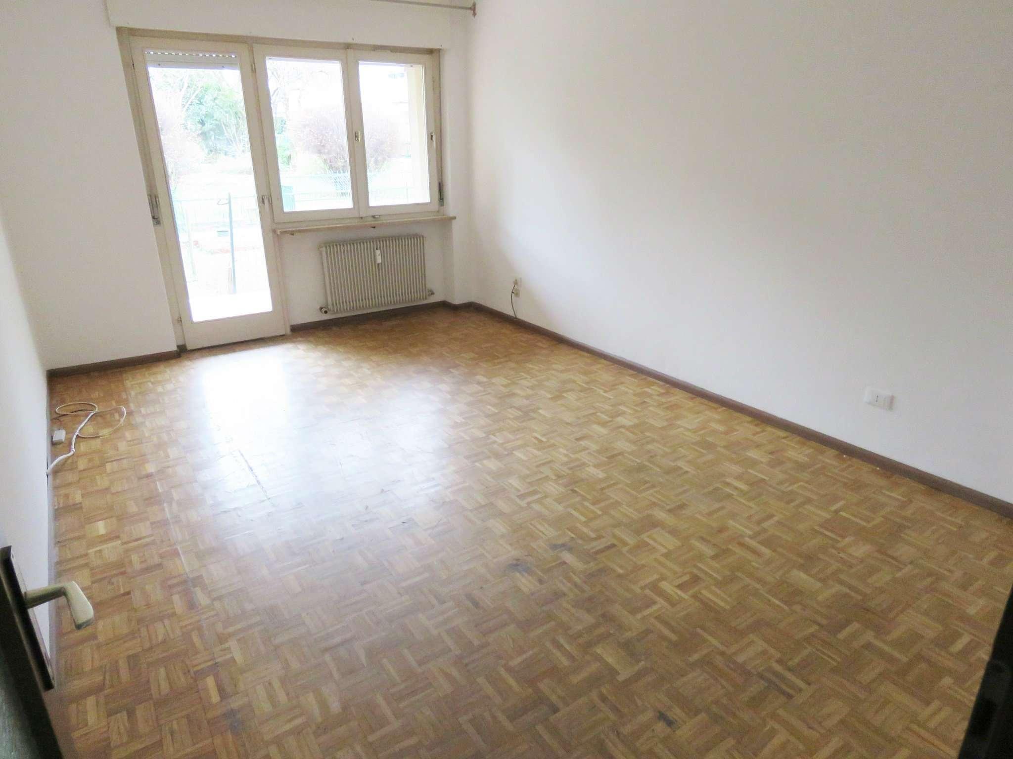 Appartamento da ristrutturare in vendita Rif. 8986935
