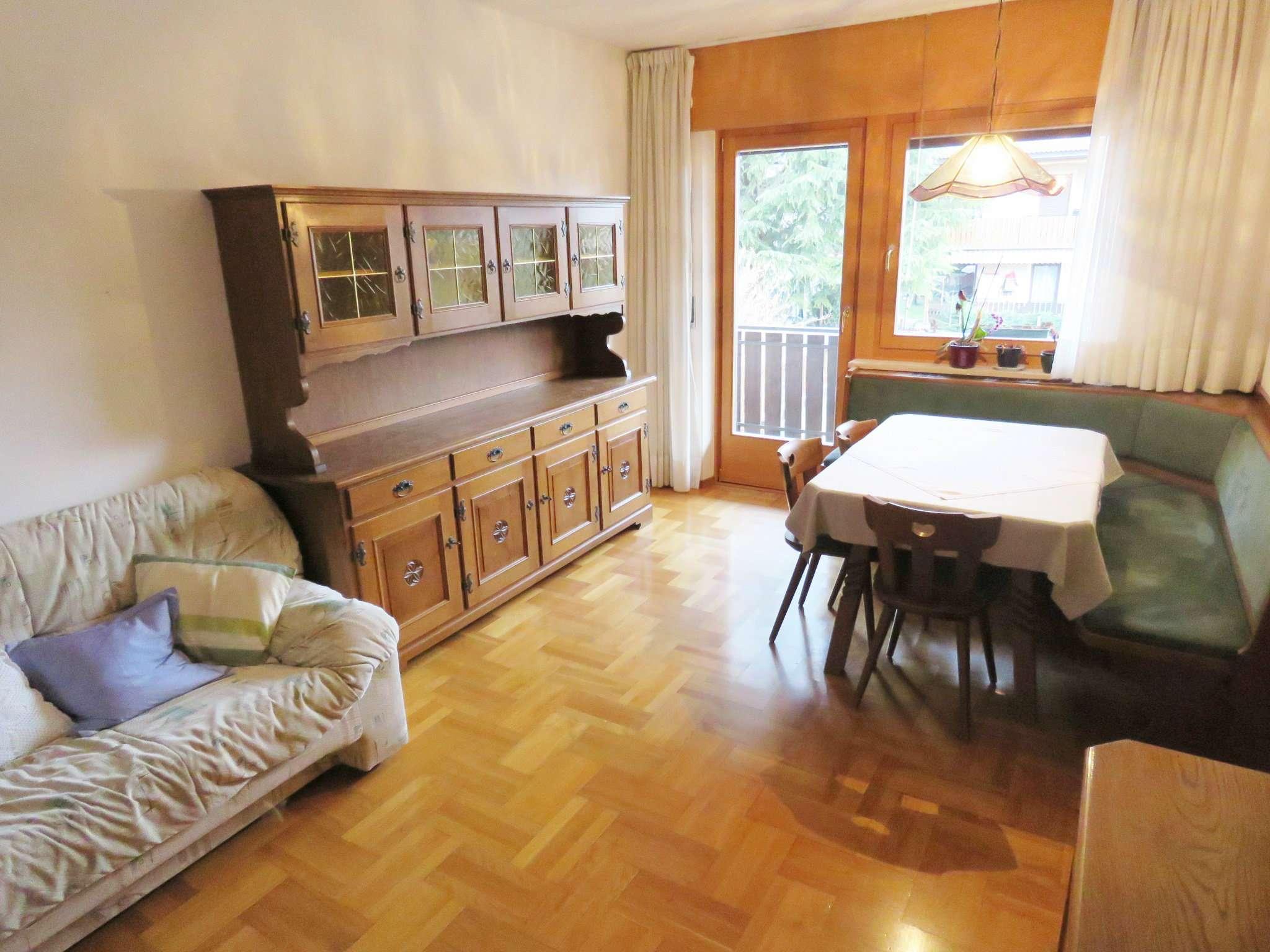Appartamento in buone condizioni parzialmente arredato in vendita Rif. 9015424