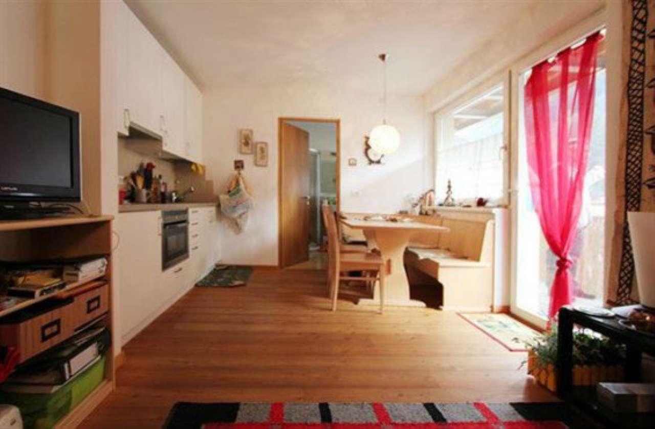 Appartamento in ottime condizioni arredato in vendita Rif. 9196253