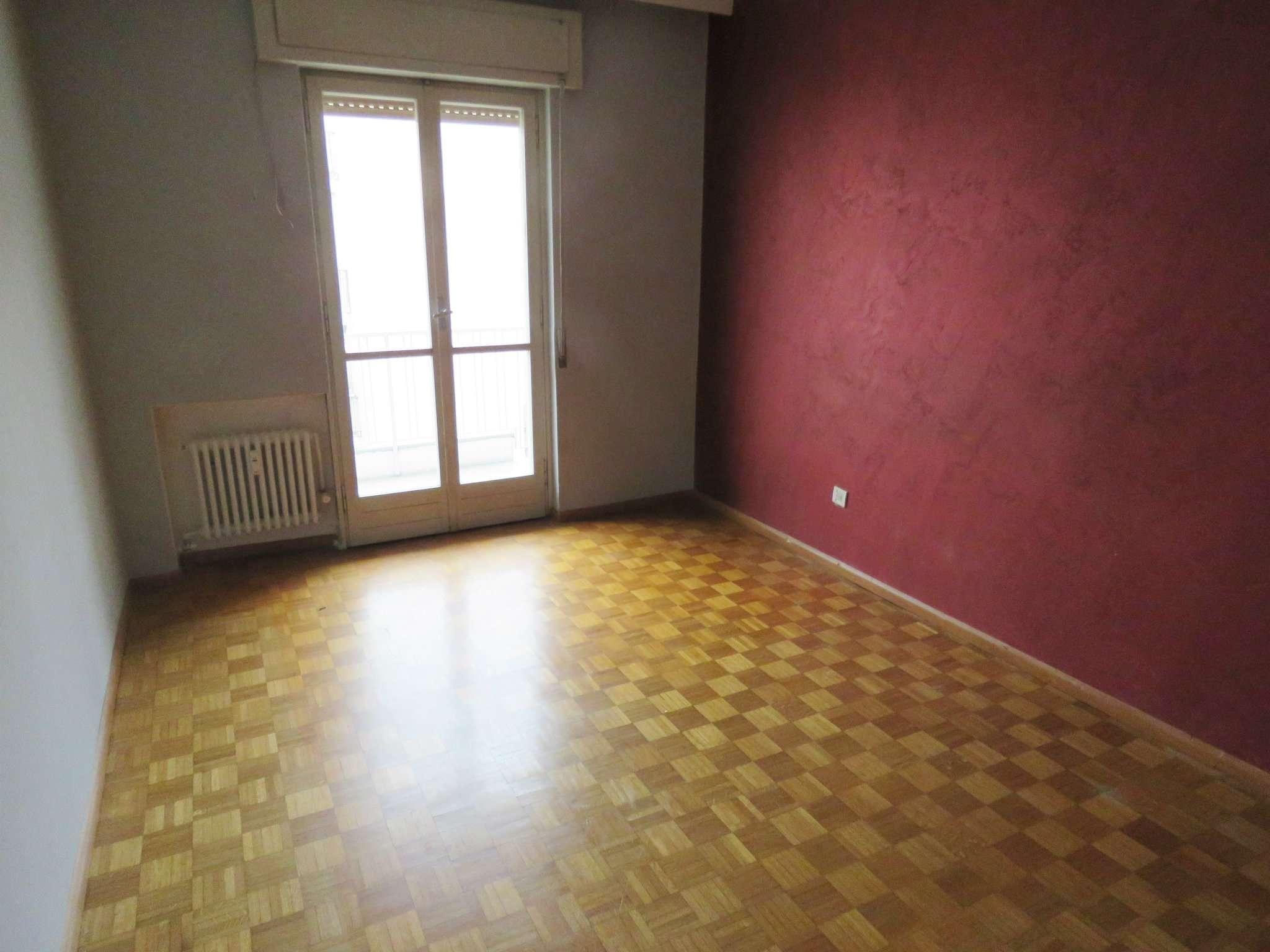 Appartamento da ristrutturare in vendita Rif. 9259850