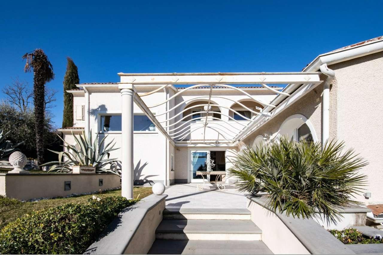 Villa in vendita a Padenghe sul Garda, 5 locali, Trattative riservate | PortaleAgenzieImmobiliari.it