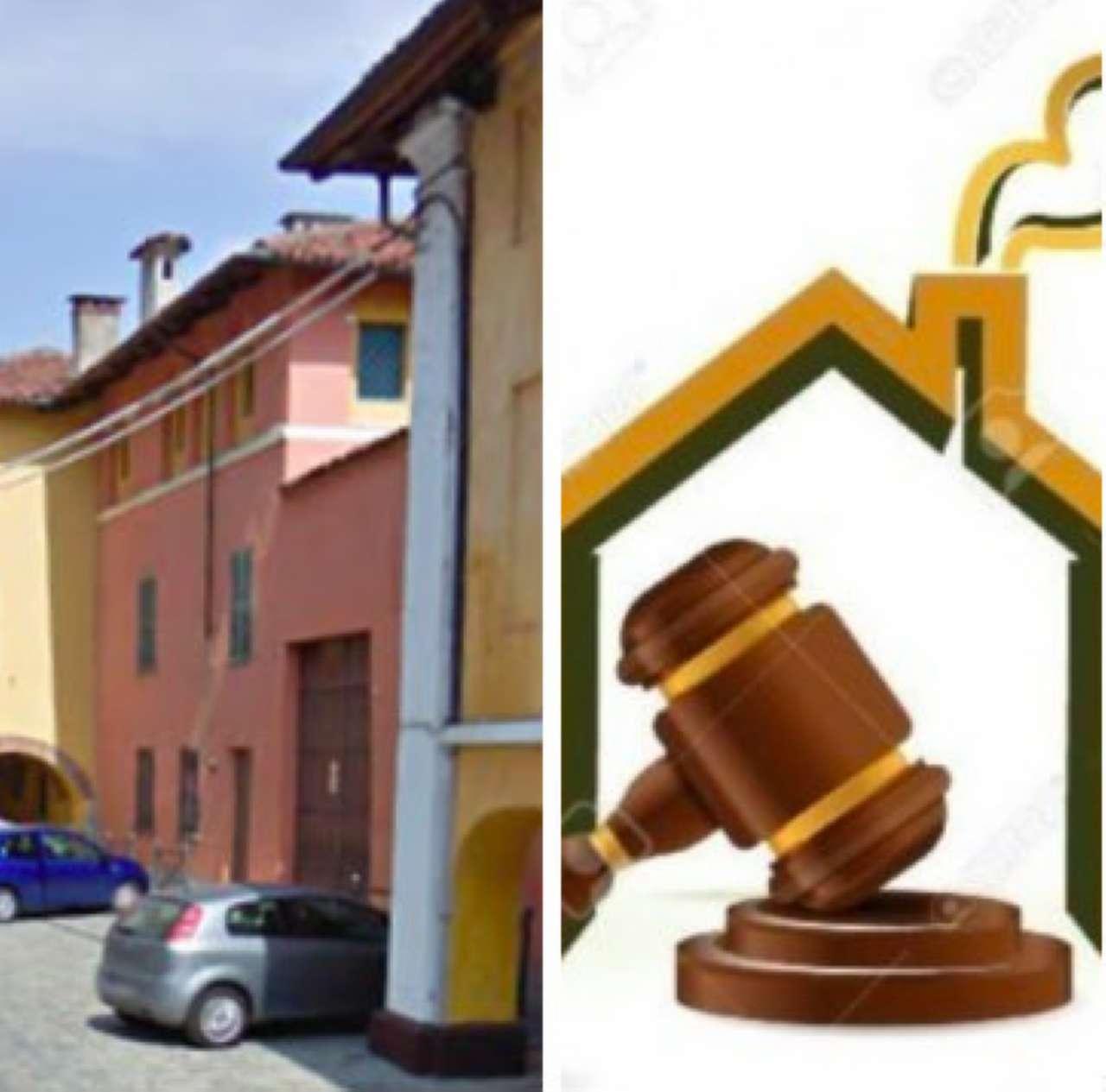 Palazzo / Stabile in vendita a Vigone, 27 locali, prezzo € 300.000   CambioCasa.it