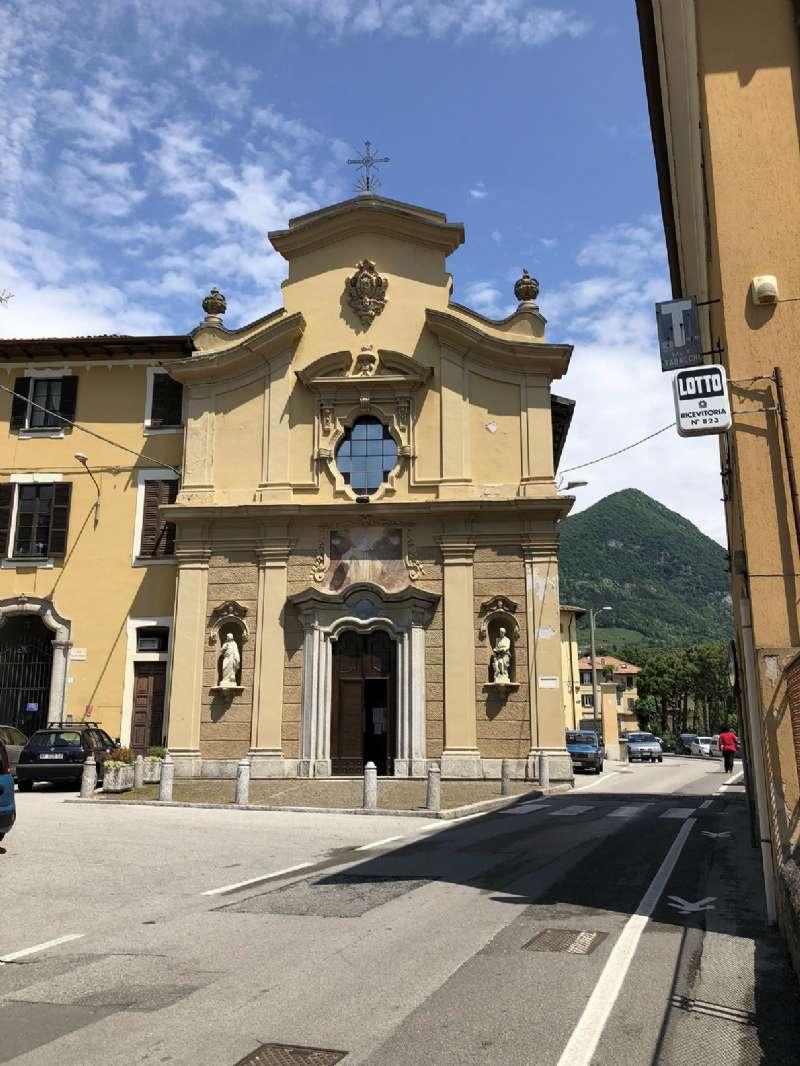 Palazzo / Stabile in Vendita a Ponte Lambro