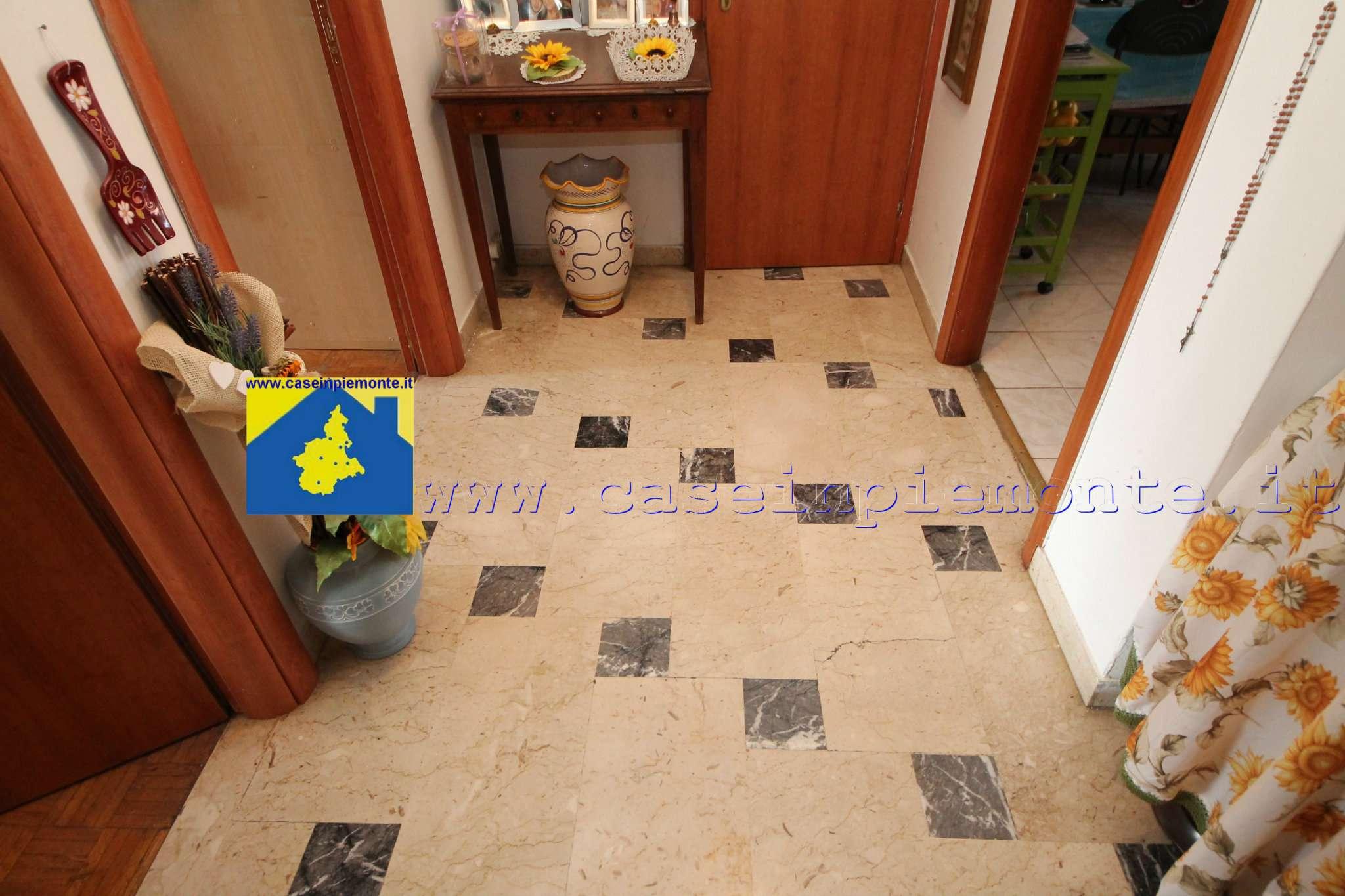 Appartamento in vendita a Rivoli, 3 locali, prezzo € 135.000 | CambioCasa.it