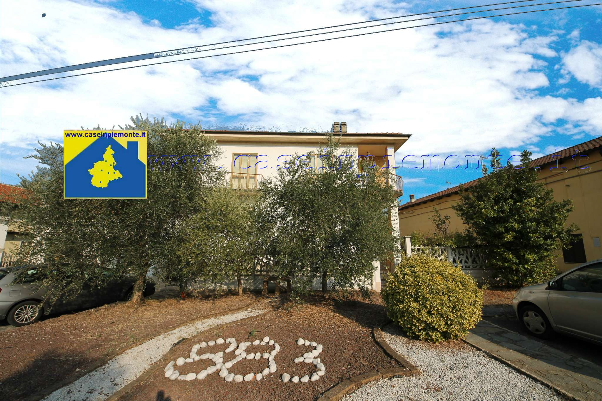 Porzione di casa in discrete condizioni parzialmente arredato in vendita Rif. 8912311