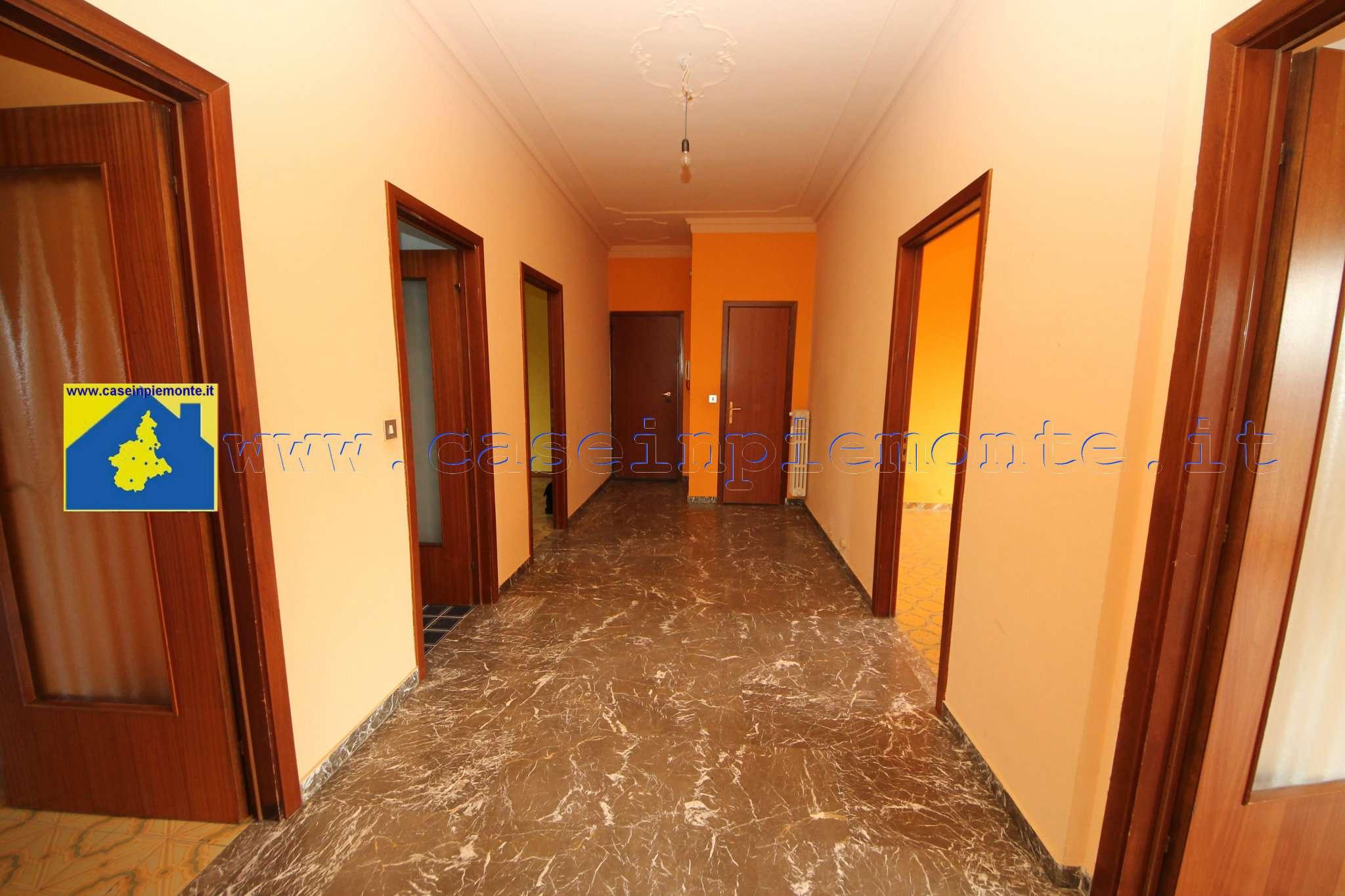 Appartamento in vendita a Rivoli, 6 locali, prezzo € 198.000 | CambioCasa.it