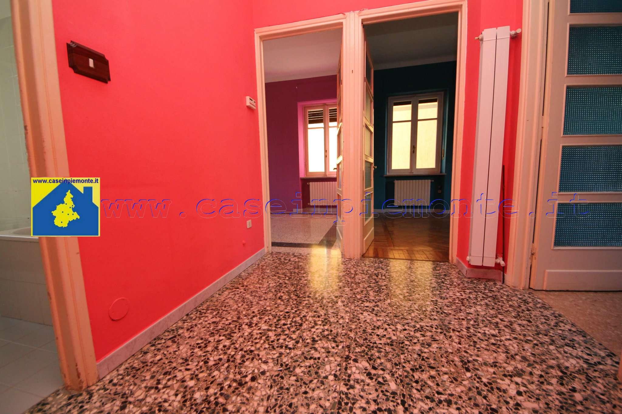 Appartamento in vendita a Rivoli, 3 locali, prezzo € 99.000 | CambioCasa.it