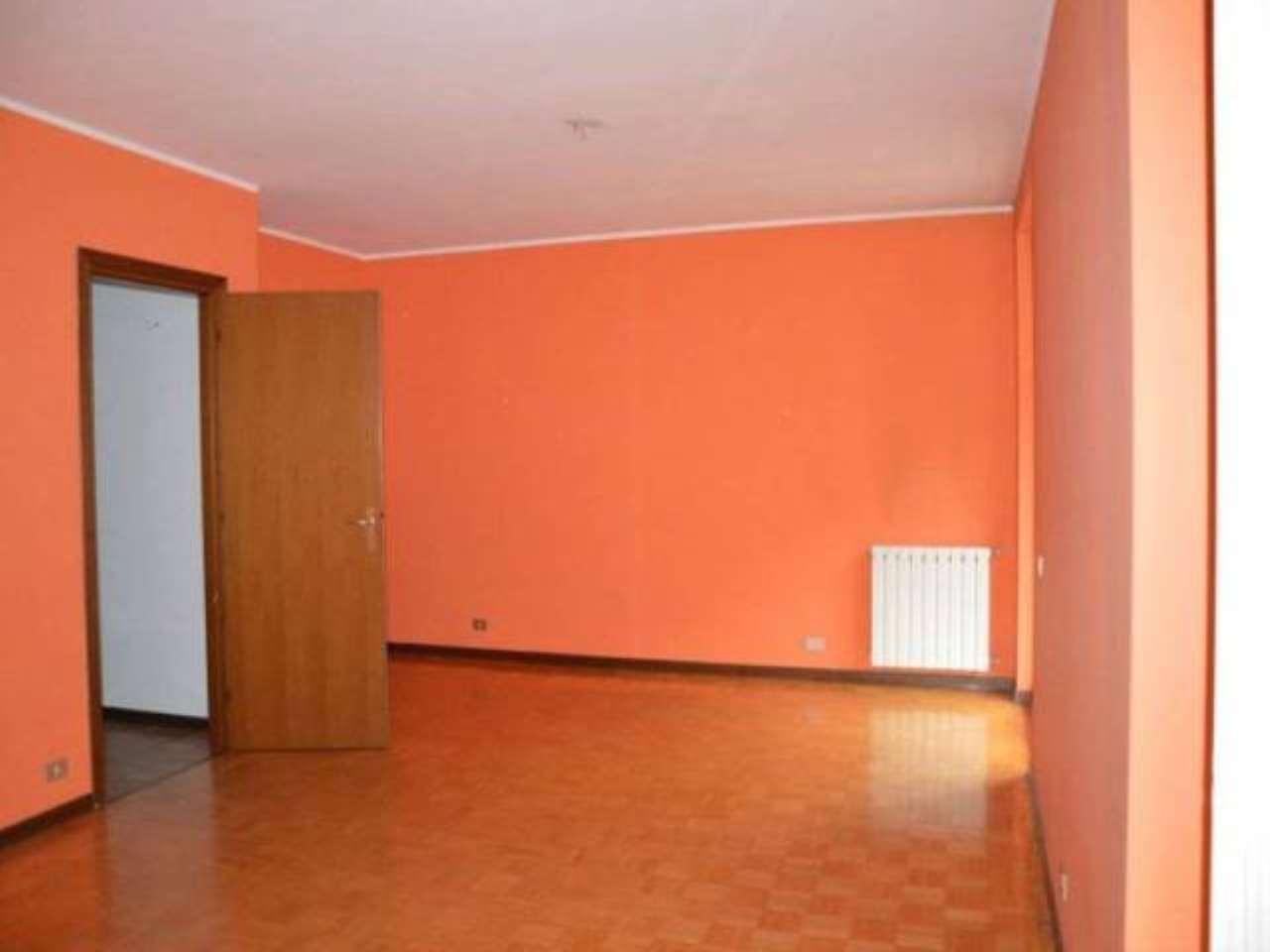 Ufficio / Studio in affitto a Cardano al Campo, 3 locali, prezzo € 500 | PortaleAgenzieImmobiliari.it
