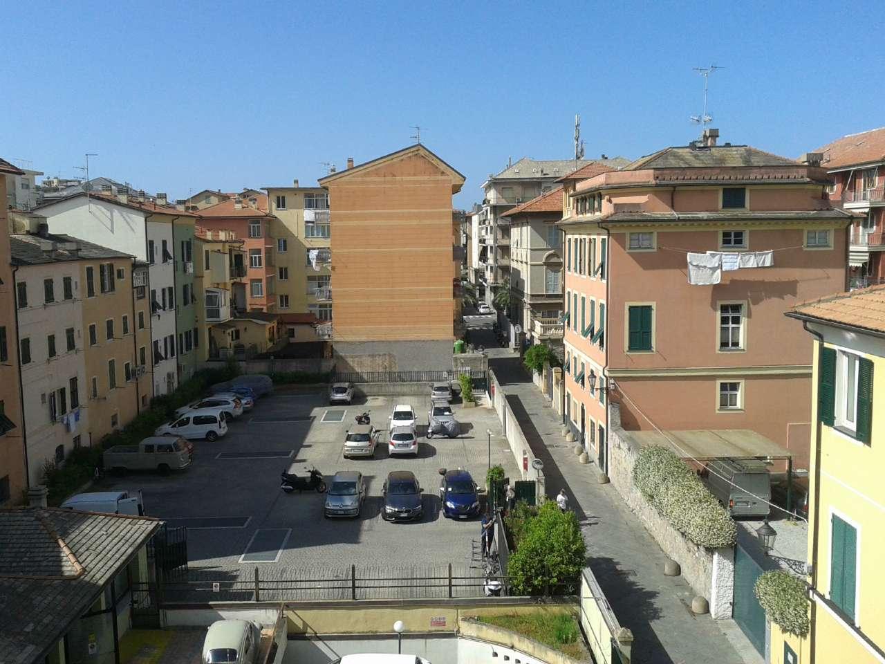 Appartamento in affitto a Chiavari, 6 locali, prezzo € 850 | CambioCasa.it