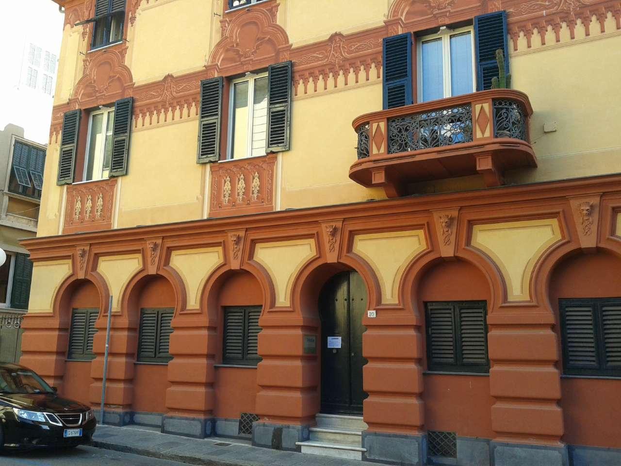 Chiavari (Corso Genova) Prestigioso Appartamento uso Ufficio.