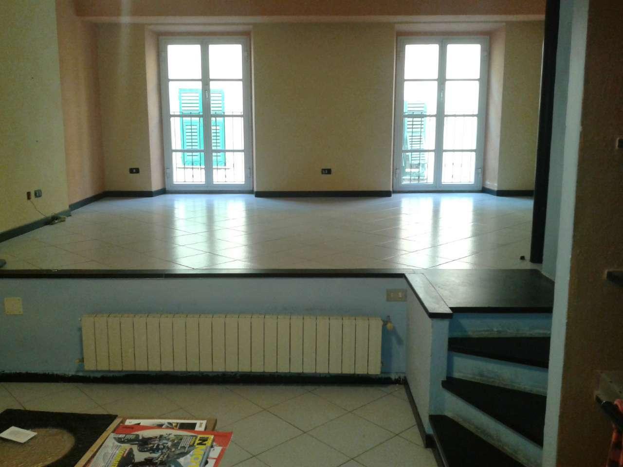 Ufficio / Studio in affitto a Chiavari, 3 locali, prezzo € 700   CambioCasa.it