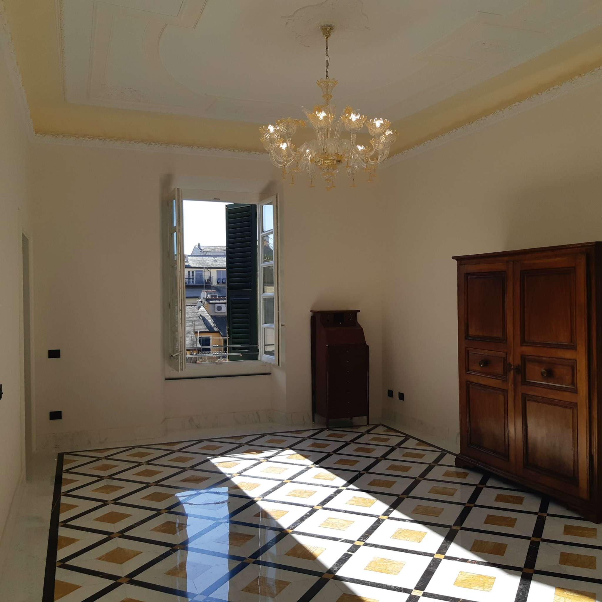 Appartamento in affitto a Chiavari, 6 locali, prezzo € 2.500 | PortaleAgenzieImmobiliari.it