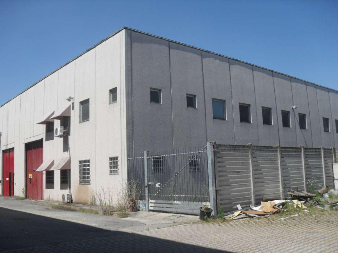 Capannone in affitto a Melegnano, 9999 locali, prezzo € 2.200 | PortaleAgenzieImmobiliari.it