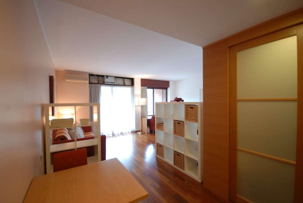 Appartamento in ottime condizioni arredato in vendita Rif. 6392282