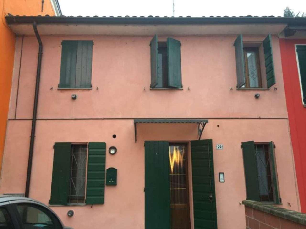 Palazzo / Stabile in vendita a Dosolo, 3 locali, prezzo € 60.000 | CambioCasa.it