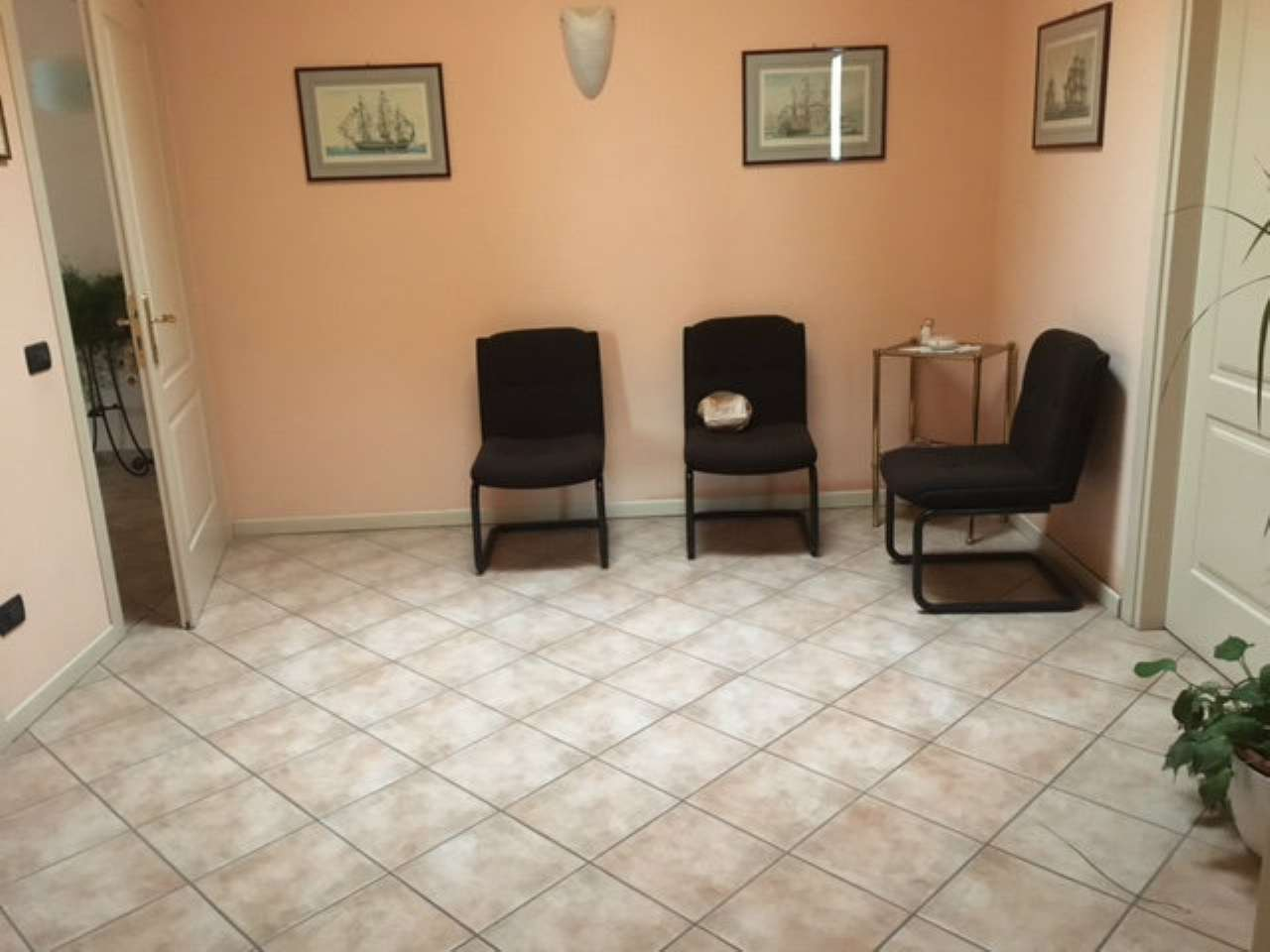 Ufficio / Studio in affitto a Viadana, 4 locali, prezzo € 600 | CambioCasa.it