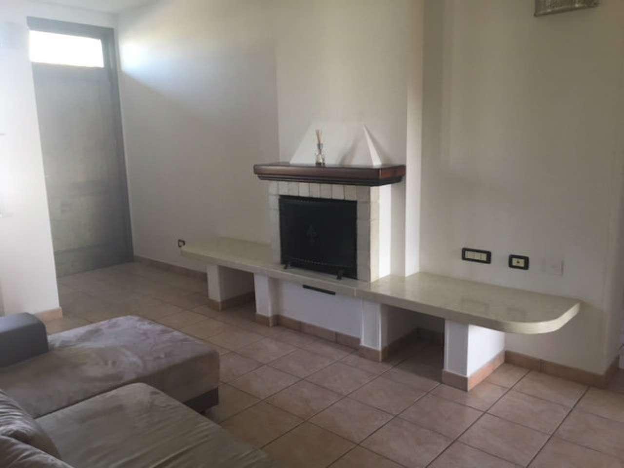 Appartamento in ottime condizioni arredato in affitto Rif. 6281364