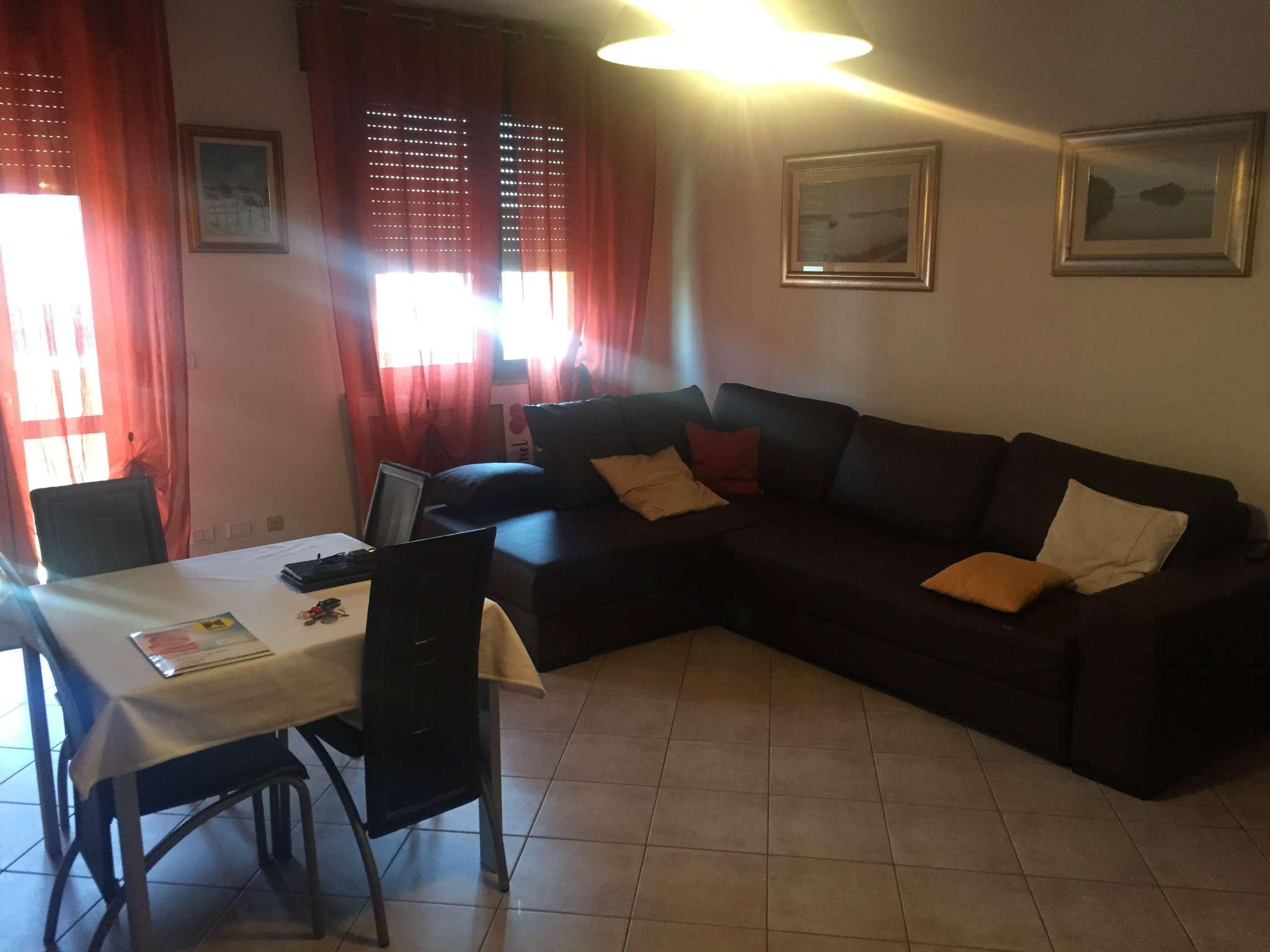 Appartamento in ottime condizioni arredato in vendita Rif. 7124448