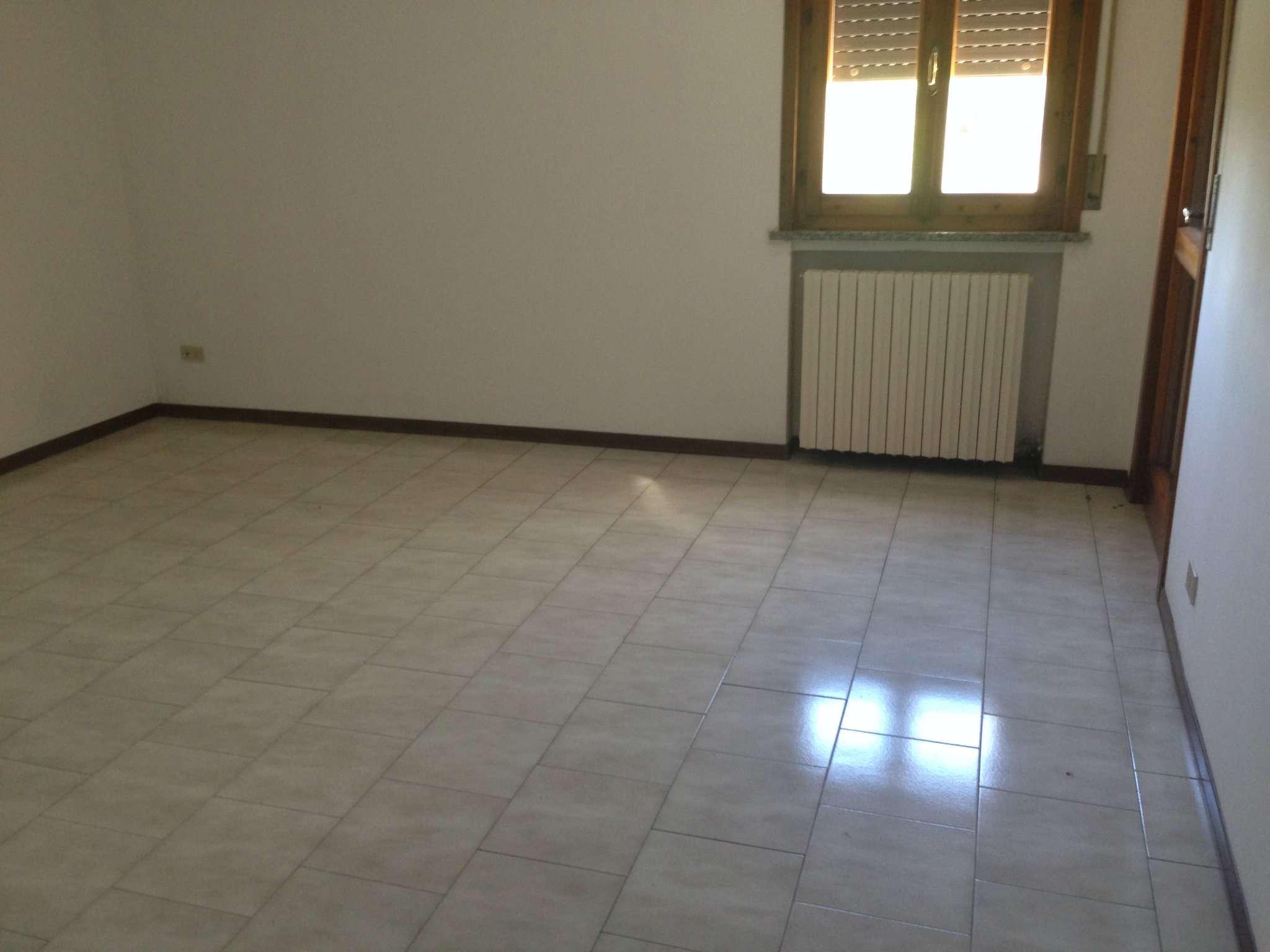 Appartamento in affitto a Viadana, 4 locali, prezzo € 450 | CambioCasa.it