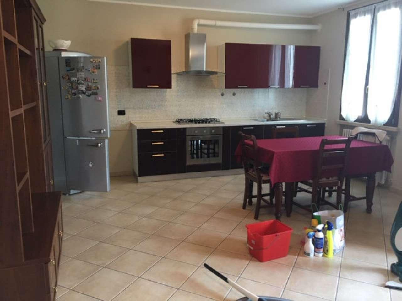 Appartamento in ottime condizioni arredato in affitto Rif. 8158686
